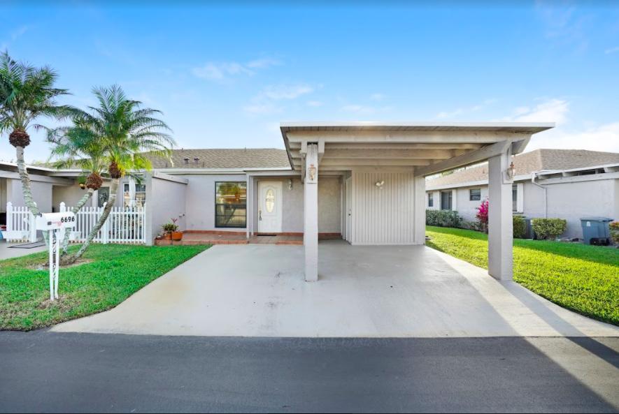 6696 Moonlit Drive  Delray Beach FL 33446