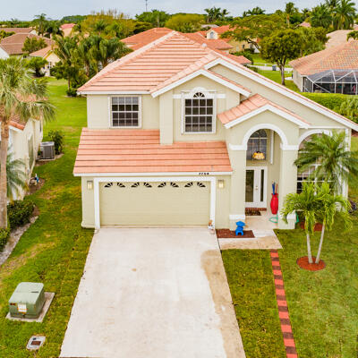 Home for sale in Lakemont Cove - Lake Charleston Lake Worth Florida