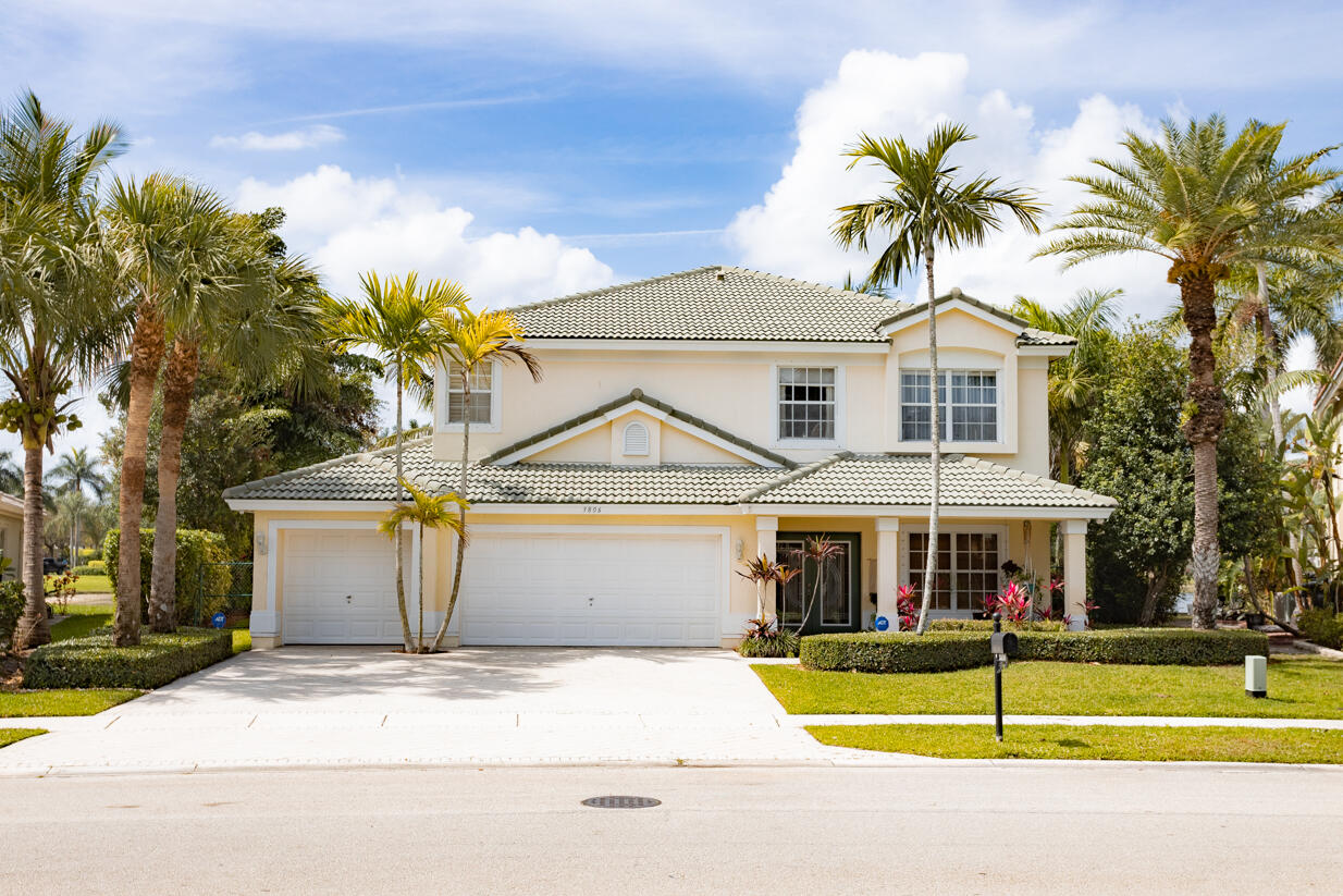 3806  Moon Bay Circle  For Sale 10721572, FL