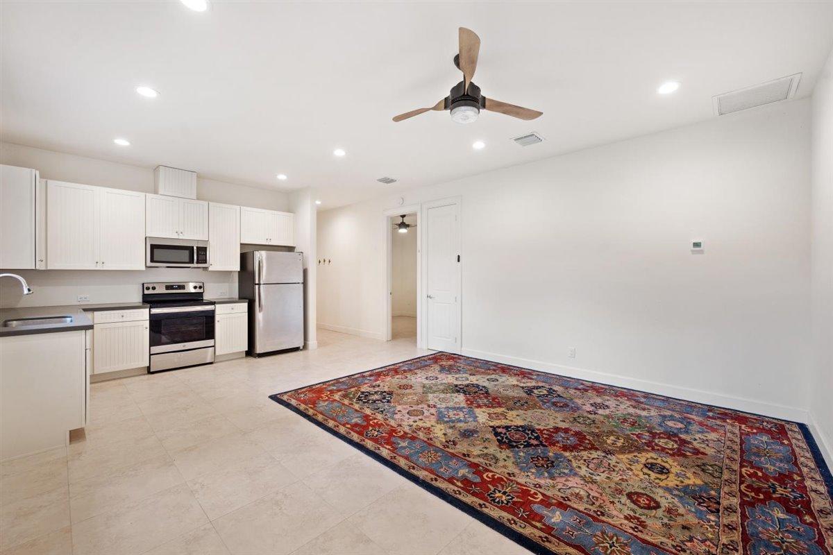 Loxahatchee Groves, Florida 33470, 2 Bedrooms Bedrooms, ,2 BathroomsBathrooms,Residential,For Sale,D,RX-10695987