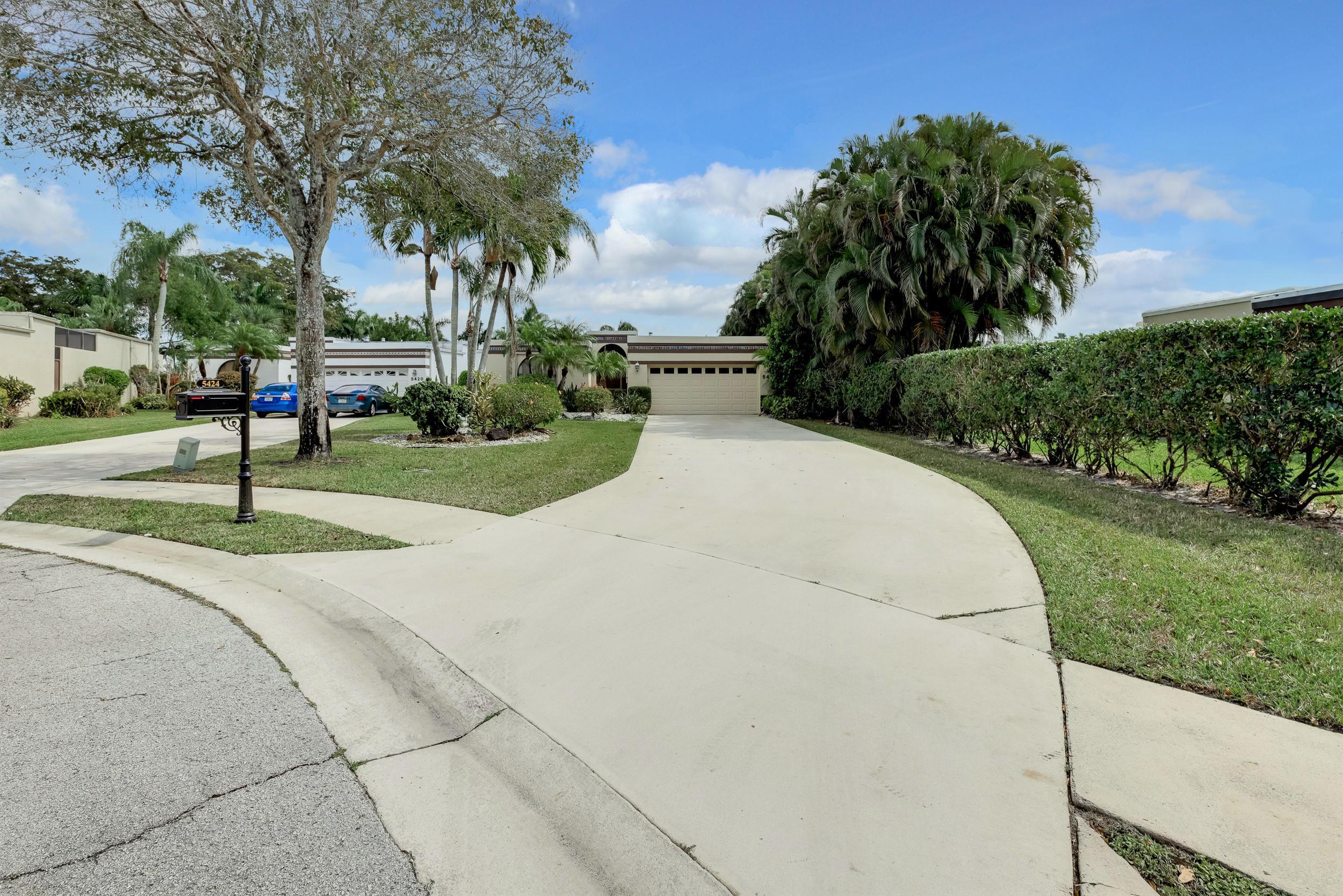 5424 San Roma Circle Lake Worth, FL 33467 photo 2