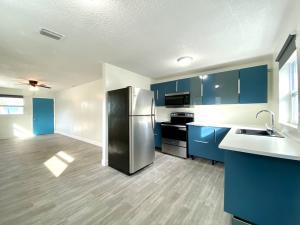 3415 Broadway Avenue, 4, West Palm Beach, FL 33407