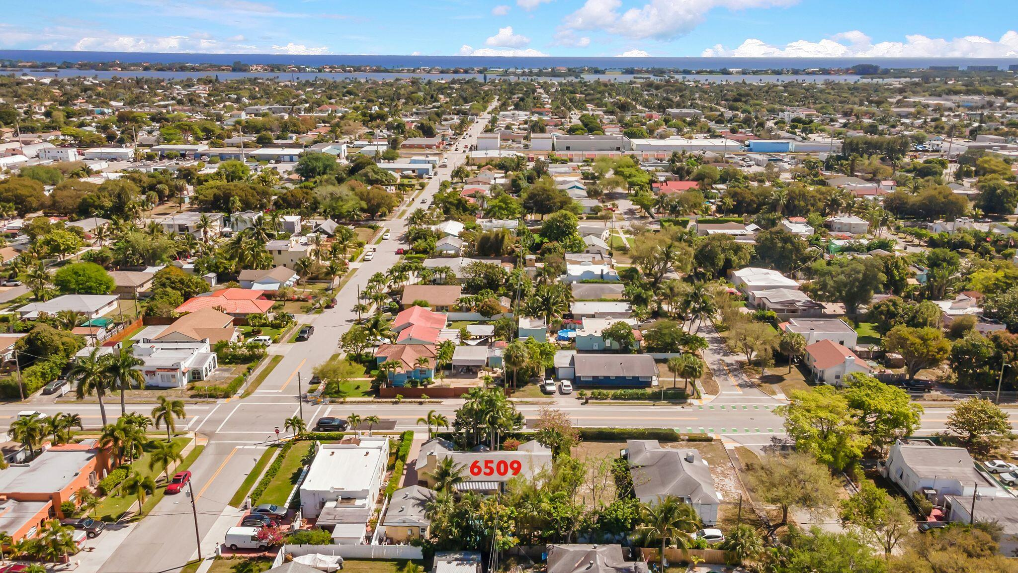6509 Lake Avenue West Palm Beach, FL 33405 photo 4
