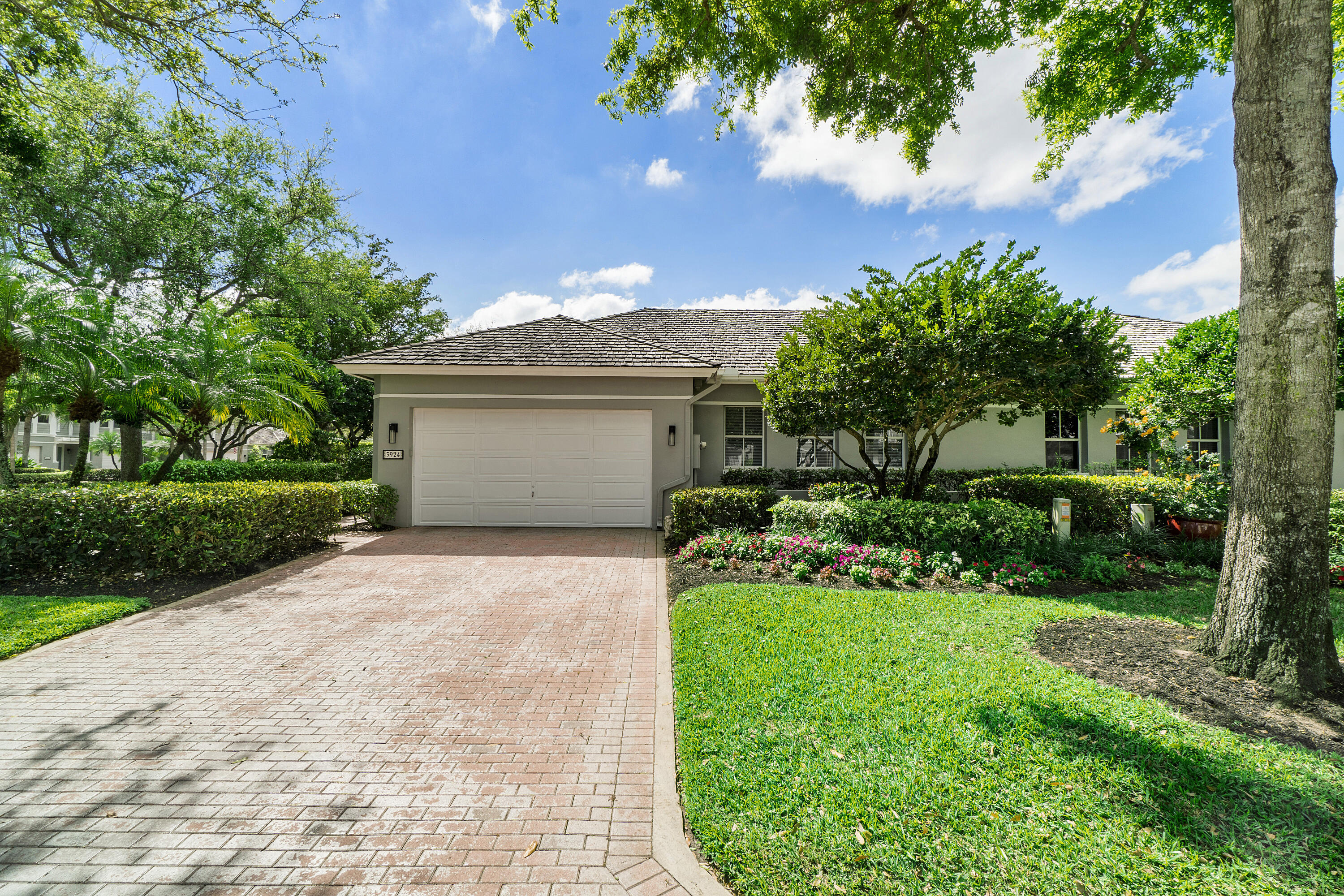 3924 NW 58th Street  For Sale 10697983, FL