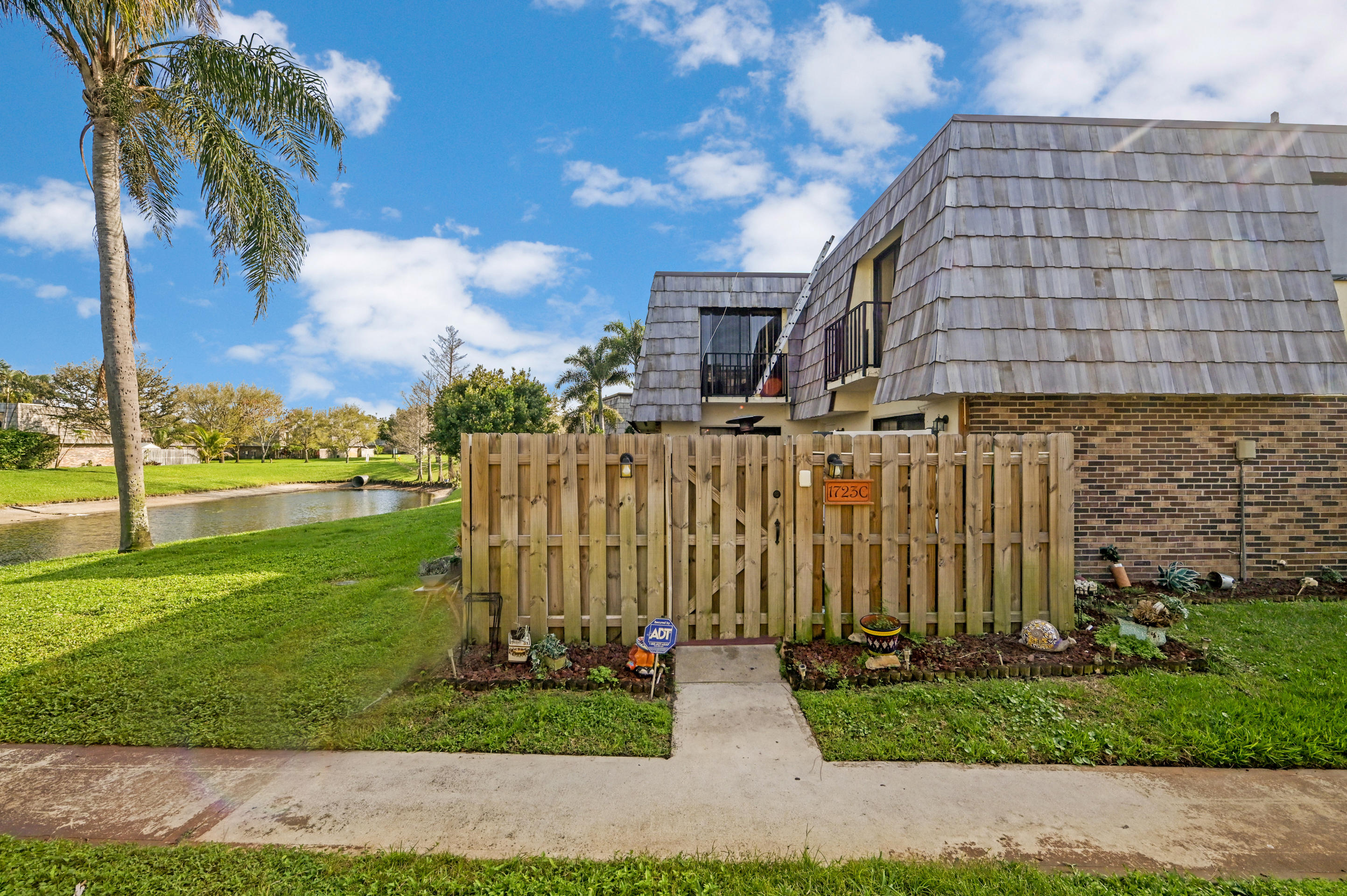 1723  Forest Lakes Circle C For Sale 10698275, FL