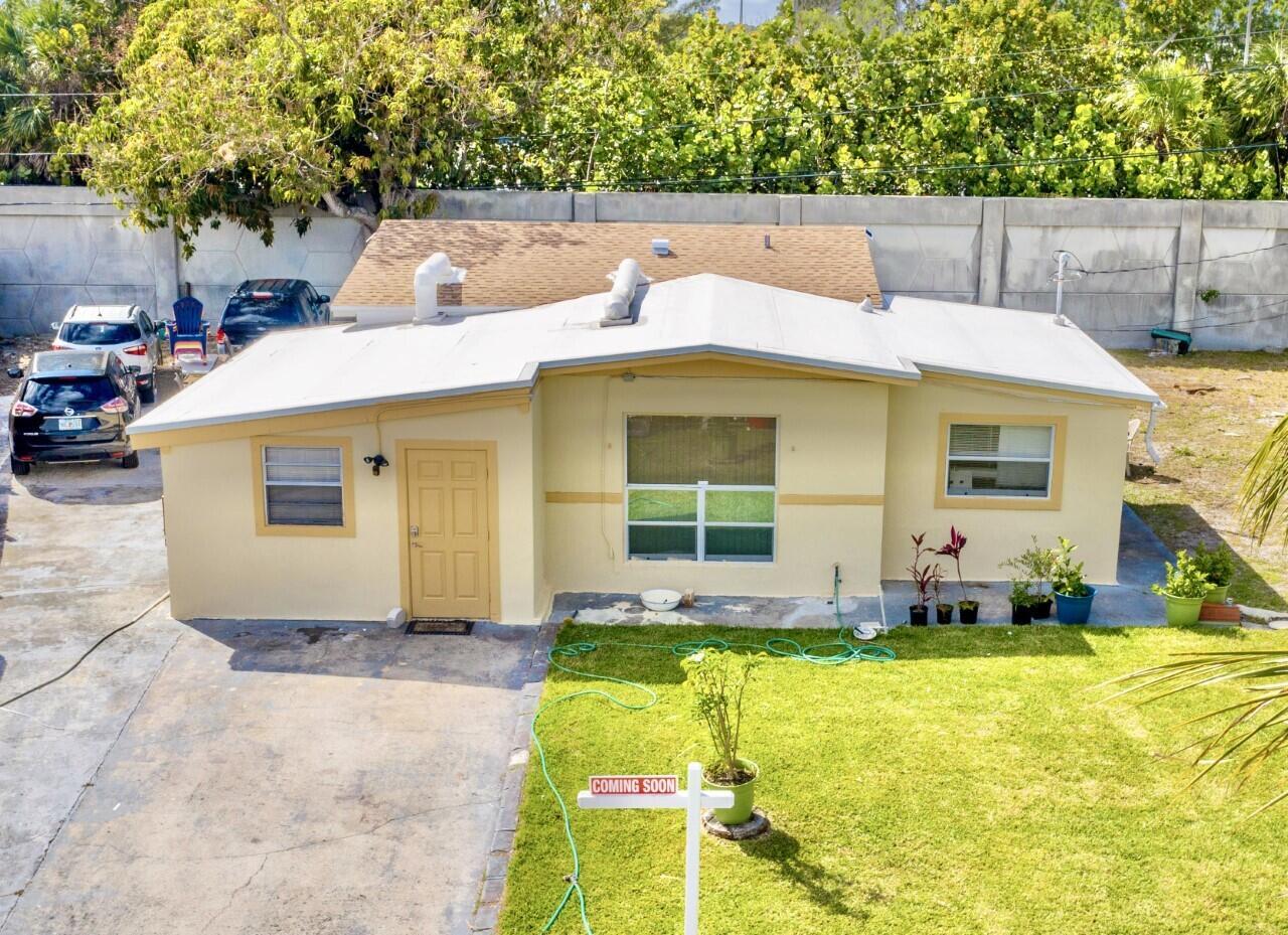 Home for sale in ROLLING GREEN RIDGE 1ST ADD Boynton Beach Florida