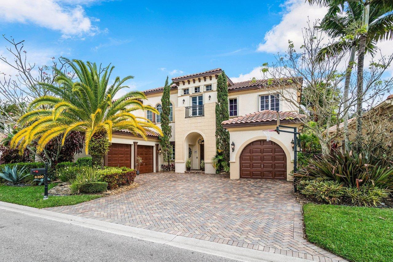 6300  Dorsay Court  For Sale 10698815, FL