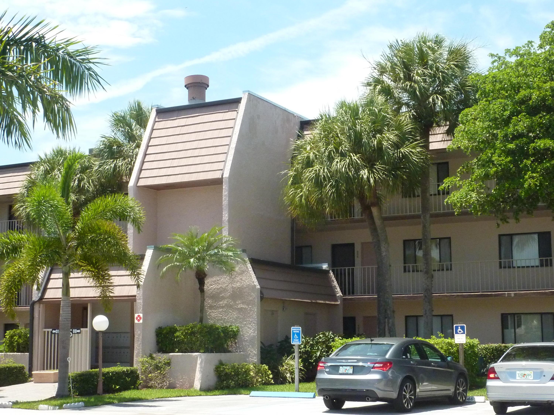 4242 Deste Court 303 Lake Worth, FL 33467 photo 2