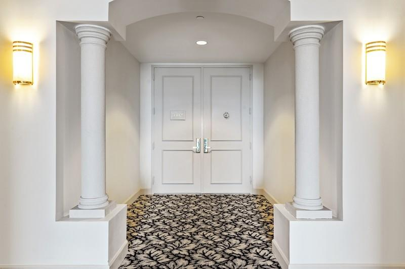 Private Elegant Entry
