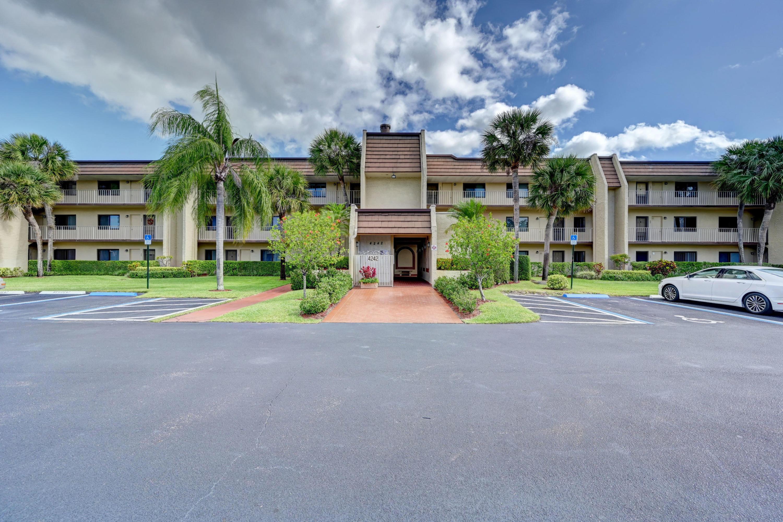 4242 Deste Court 303 Lake Worth, FL 33467
