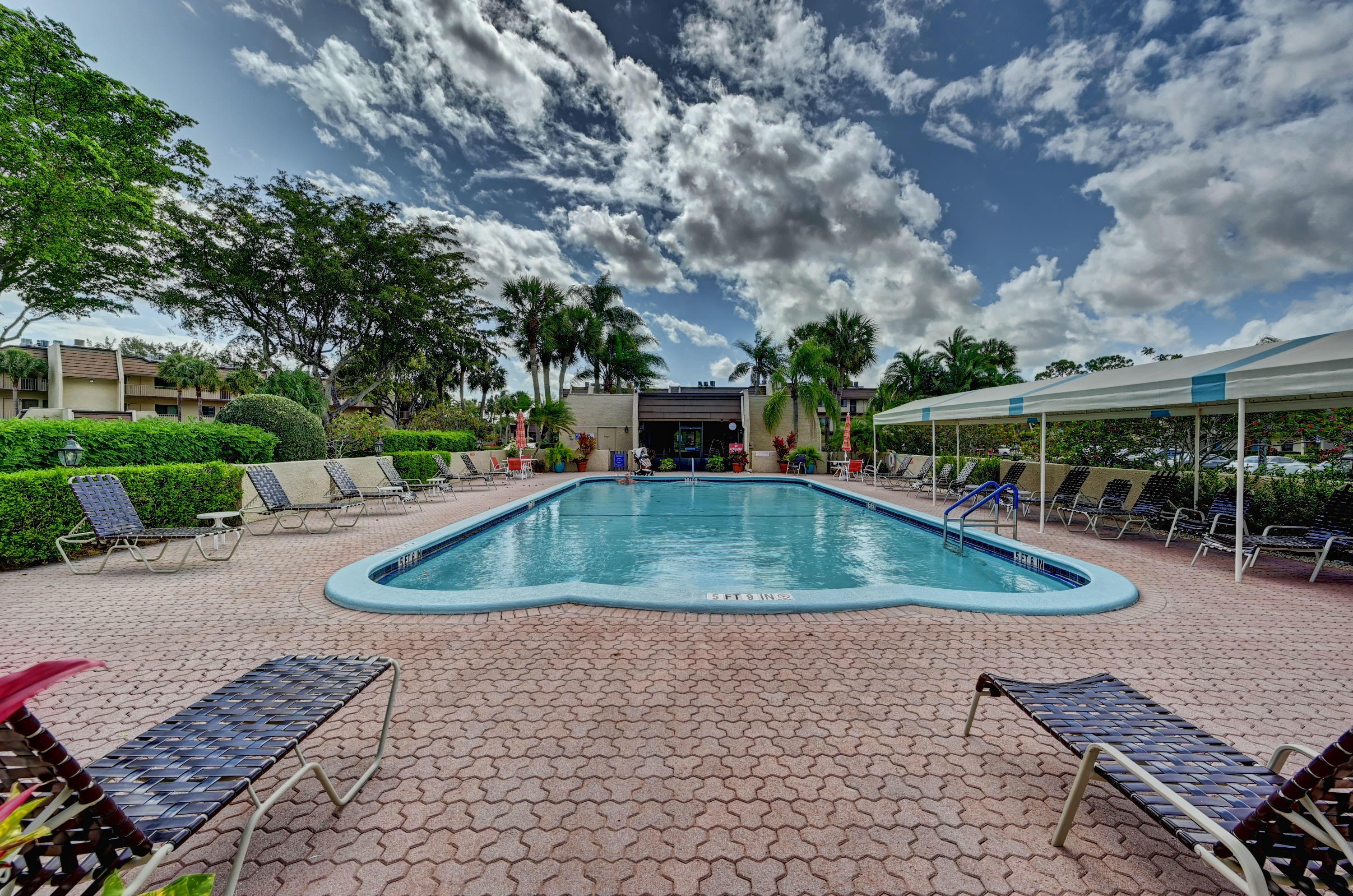 4242 Deste Court 303 Lake Worth, FL 33467 photo 32
