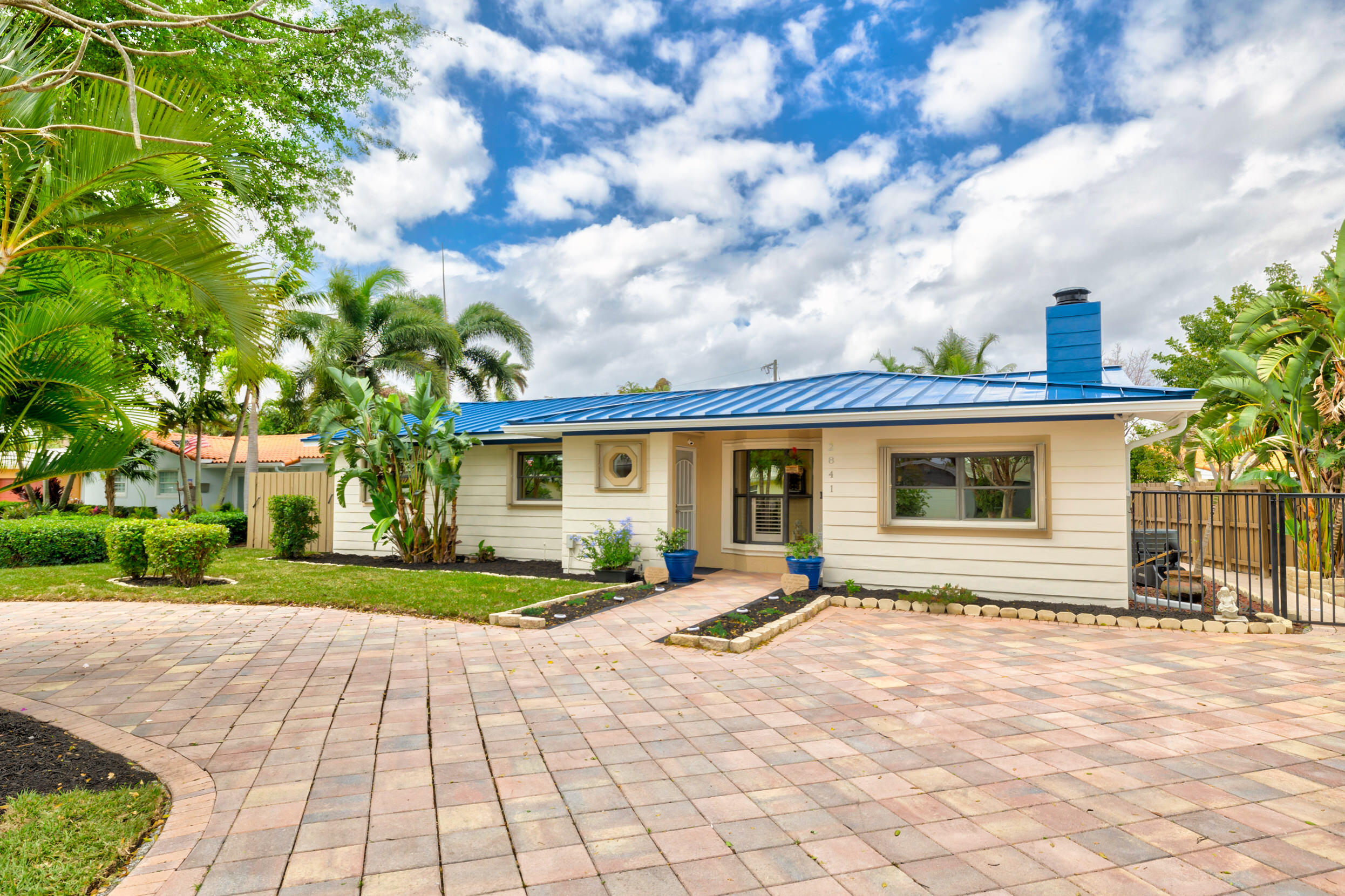 Home for sale in LIGHTHOUSE POINT ESTATES Lighthouse Point Florida
