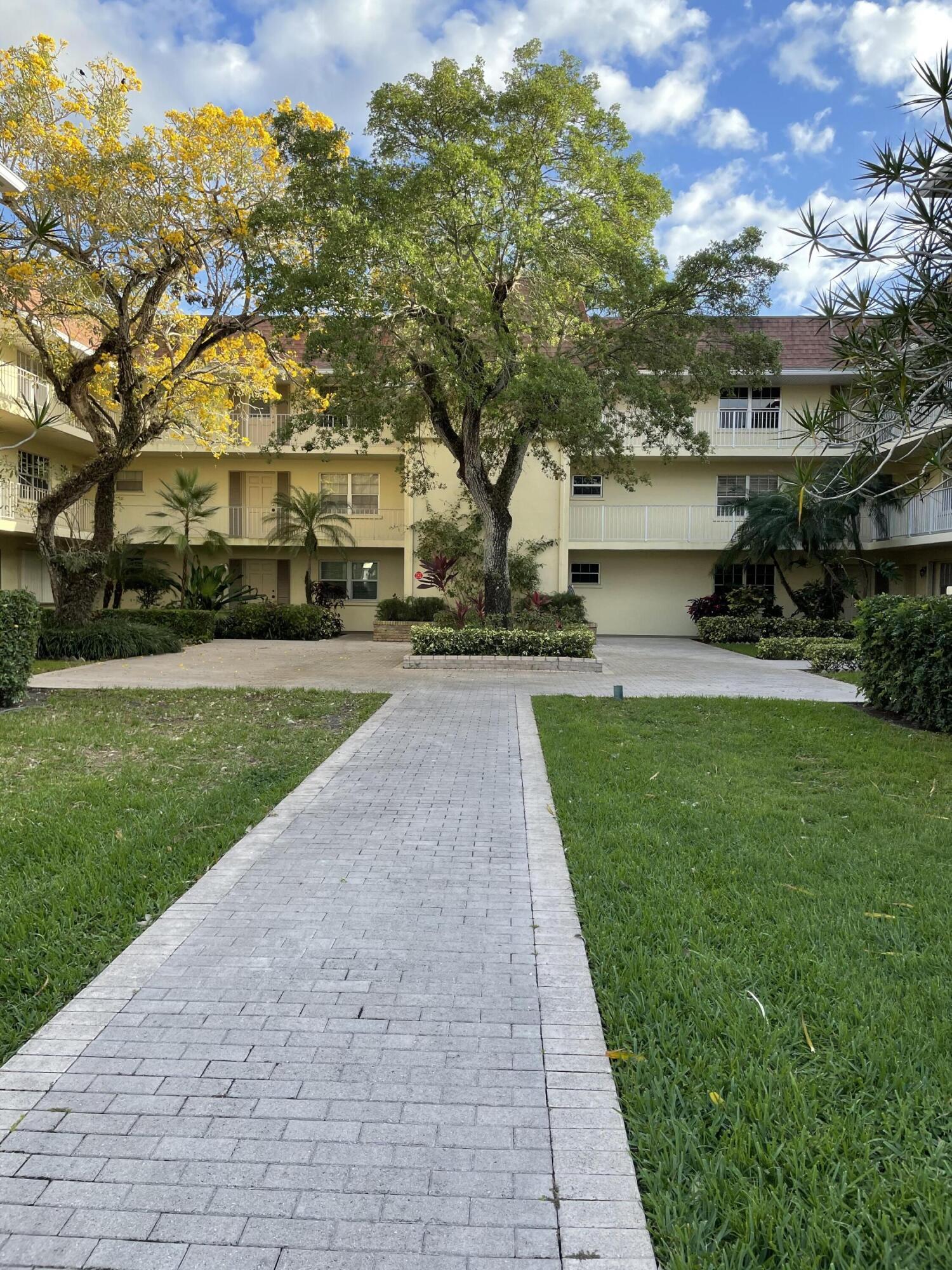 Home for sale in TAMBERLANE 2 CONDO Palm Beach Gardens Florida