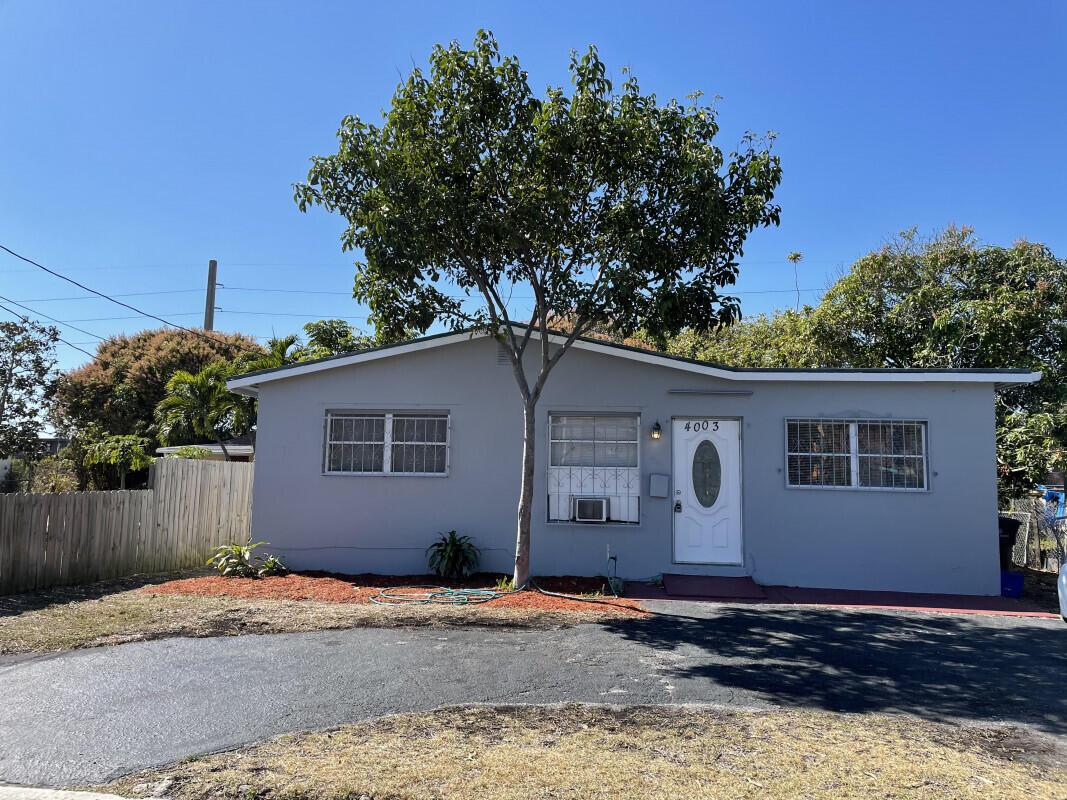 4003  Windsor Avenue  For Sale 10698862, FL
