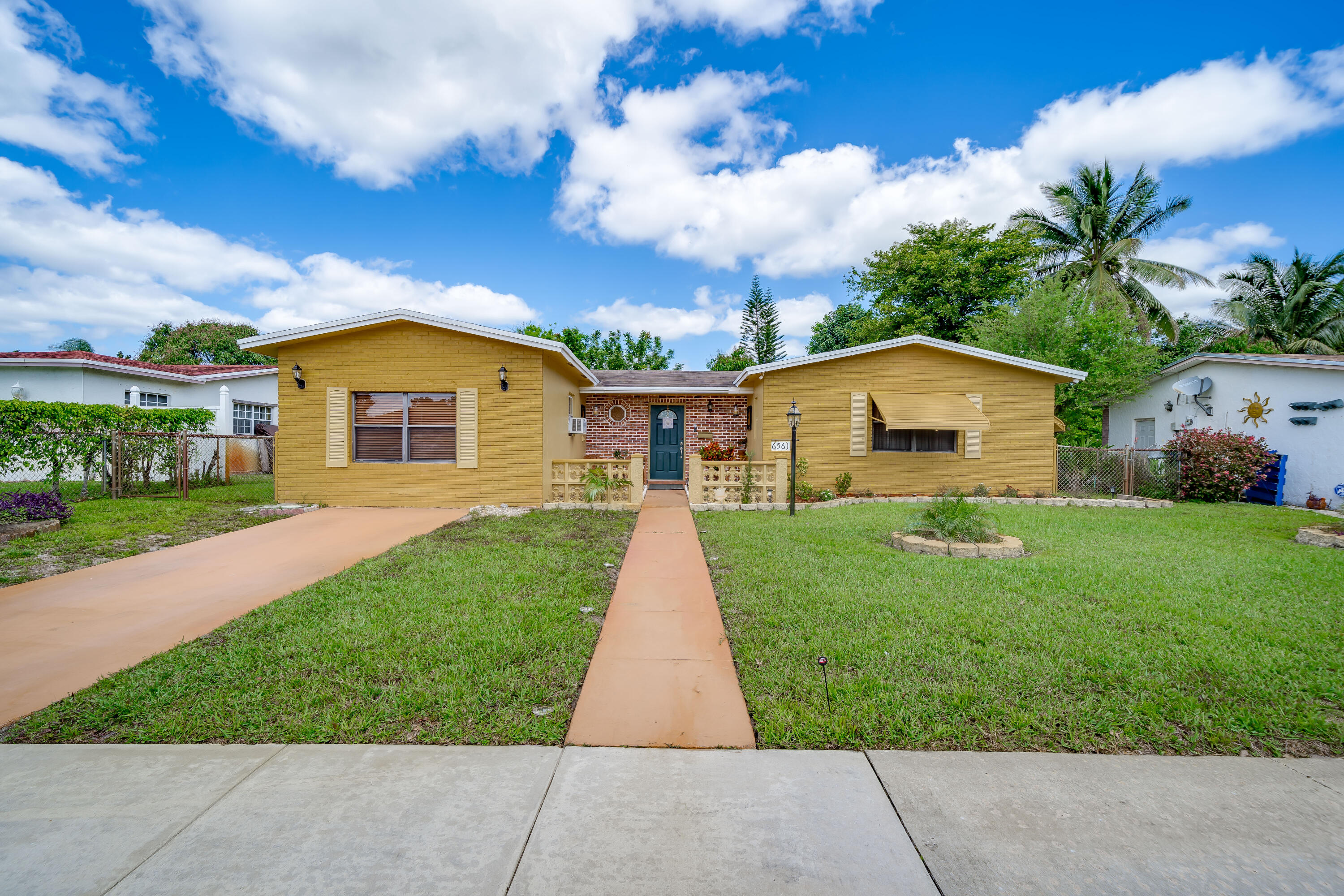 Home for sale in KIMBERLY VILLAGE SEC 2 North Lauderdale Florida