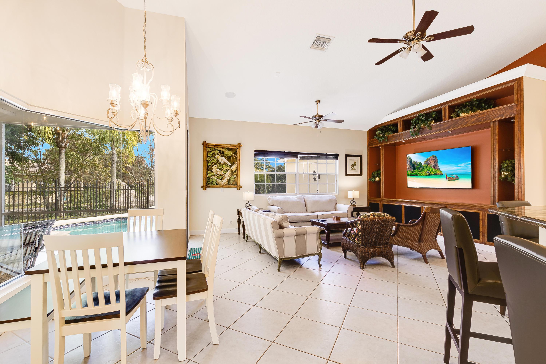 Breakfast Area/Family Room