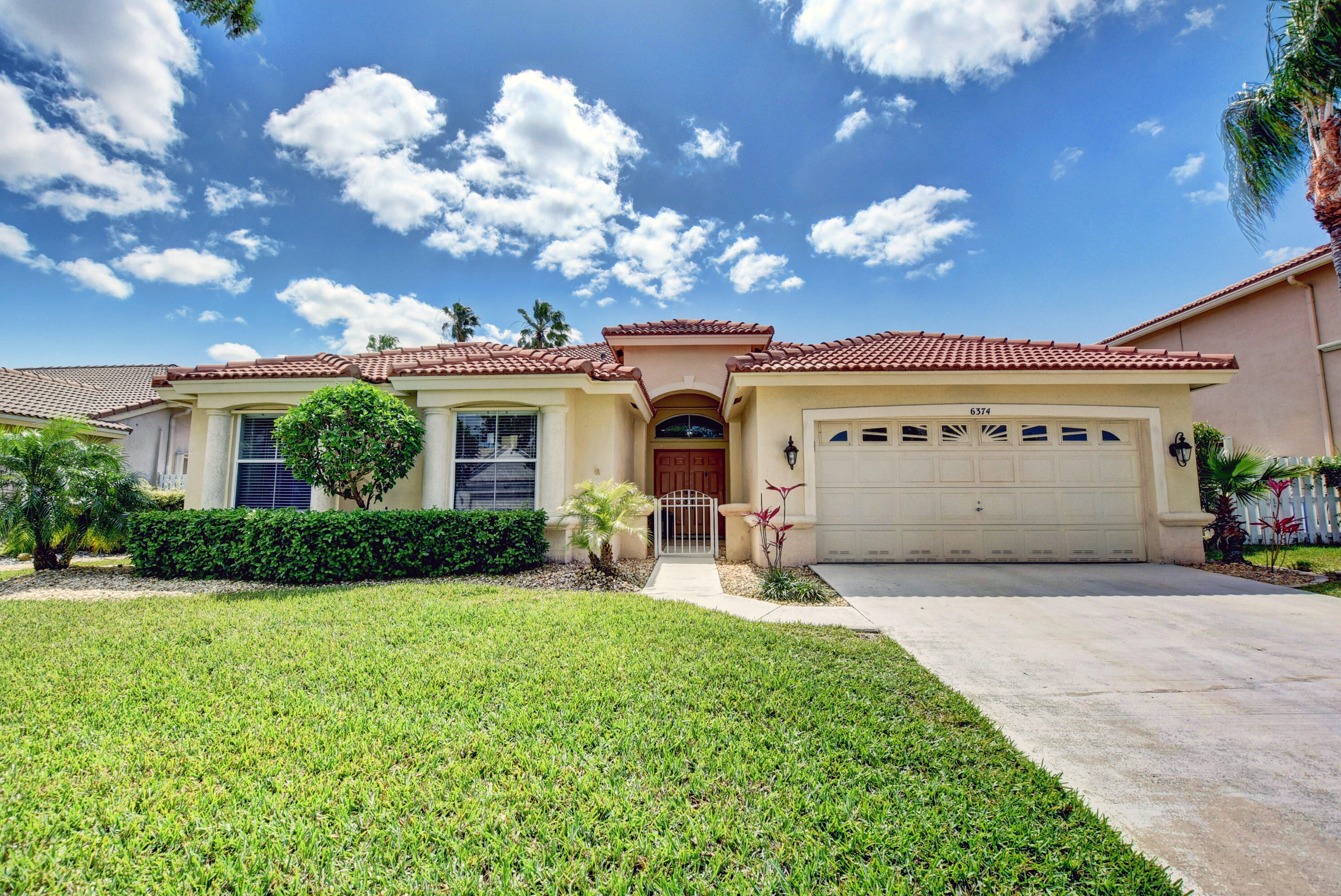 6374 Old Medinah Circle Lake Worth, FL 33463