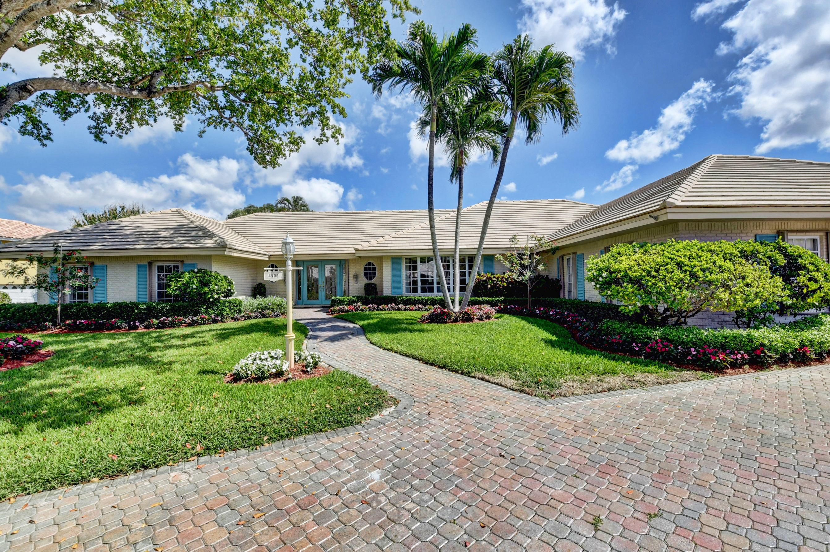 4906 S Lake Drive  For Sale 10699642, FL
