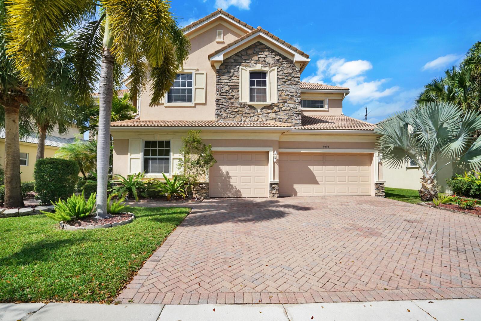 9253  Oak Alley Drive  For Sale 10709914, FL