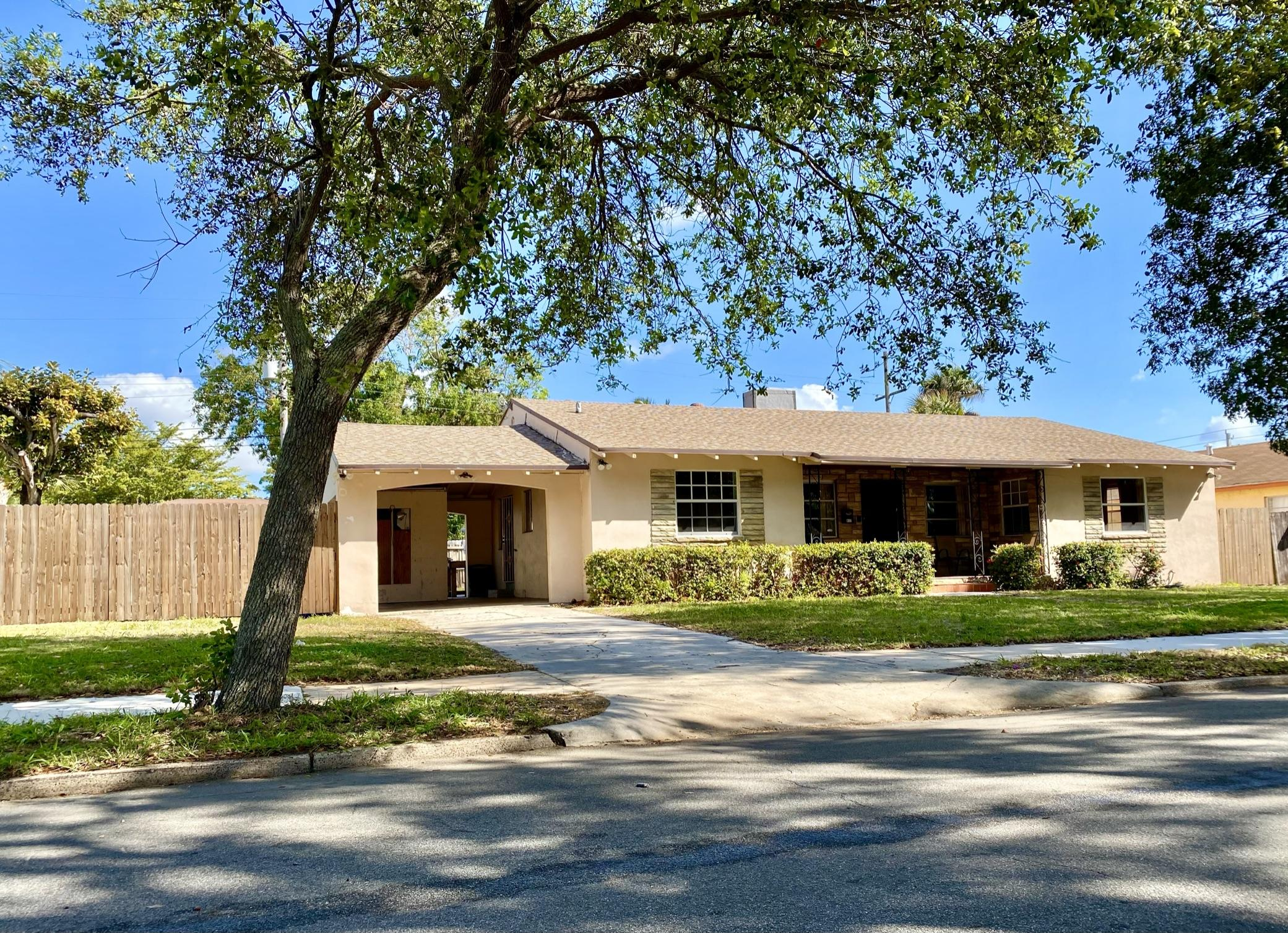 Home for sale in NORTH PALM BCH 3 West Palm Beach Florida