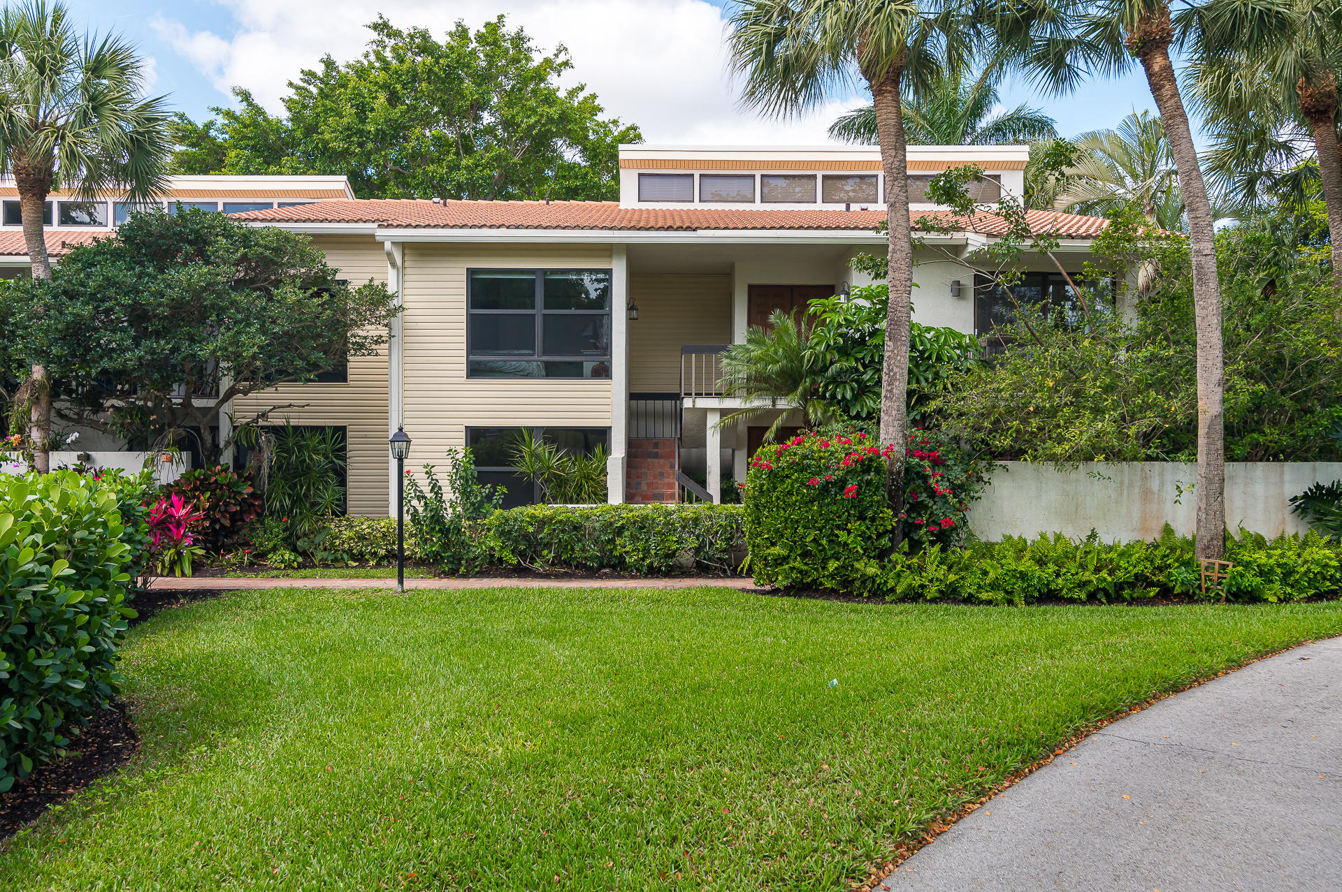 6774  Willow Wood Drive 1108 For Sale 10700518, FL