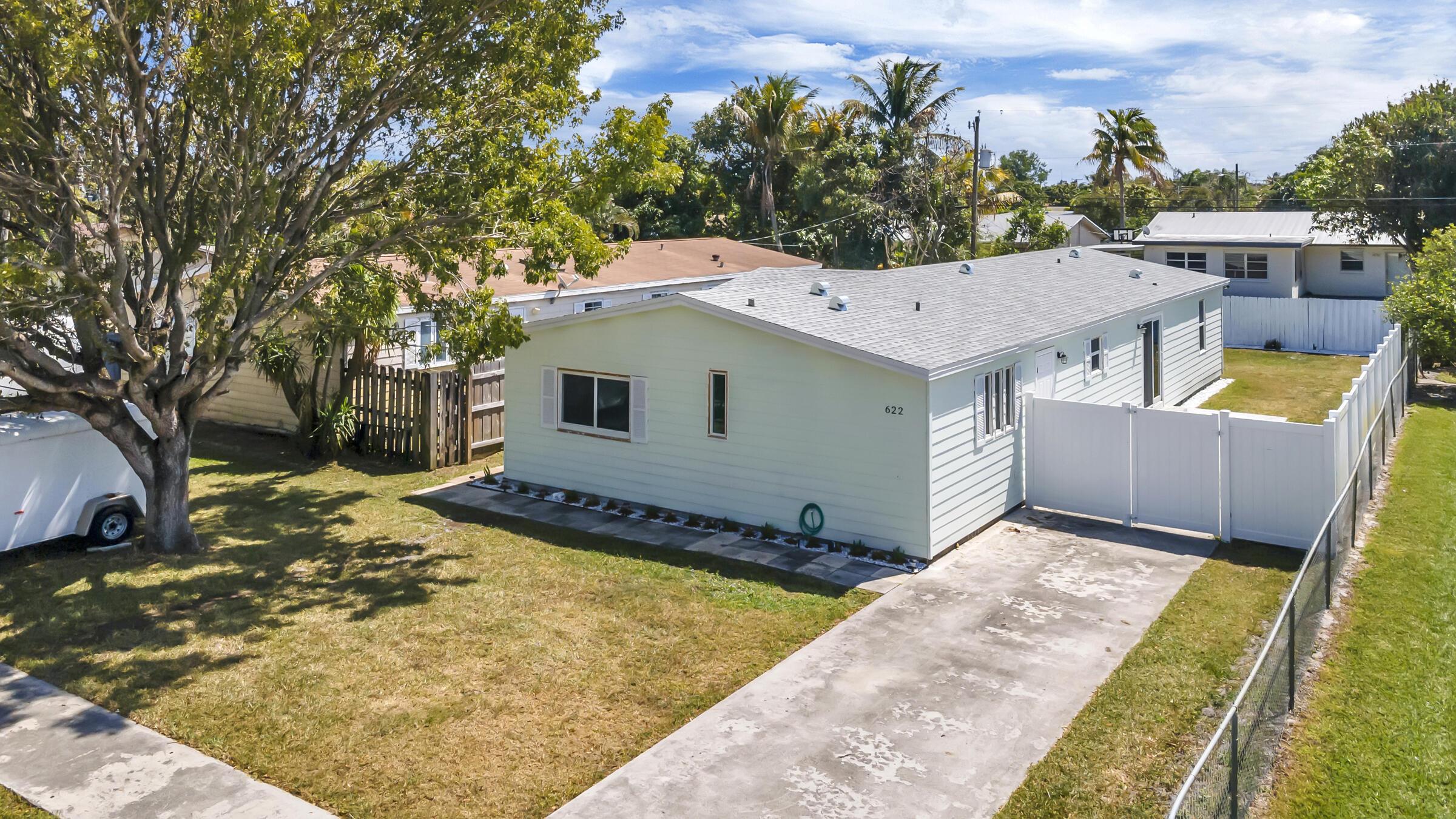 Home for sale in LAKE BOYNTON ESTATES 1 Boynton Beach Florida