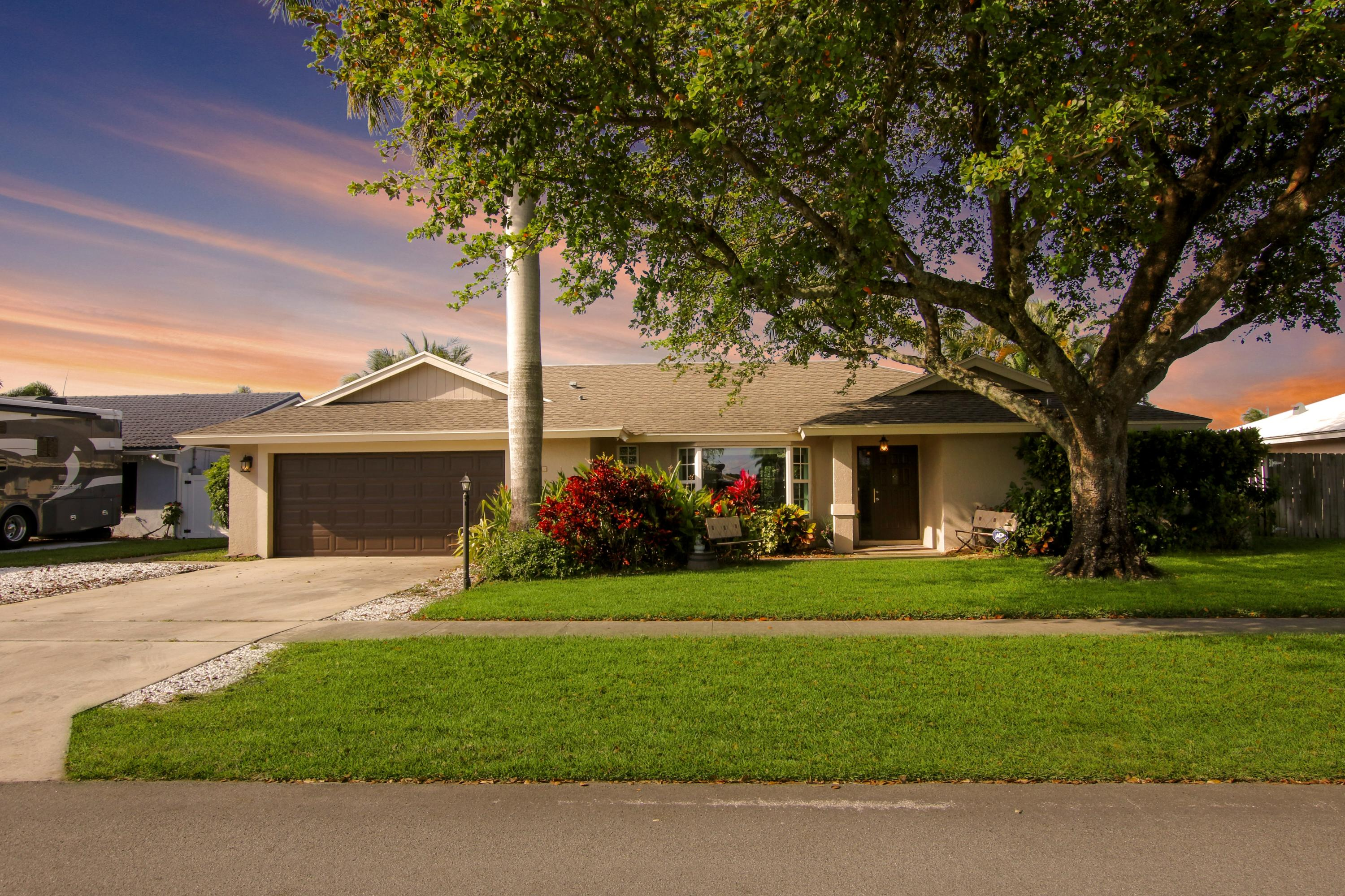 Home for sale in GOLFVIEW HARBOUR 2ND SEC IN PB 27 PGS 46 & 47 Boynton Beach Florida