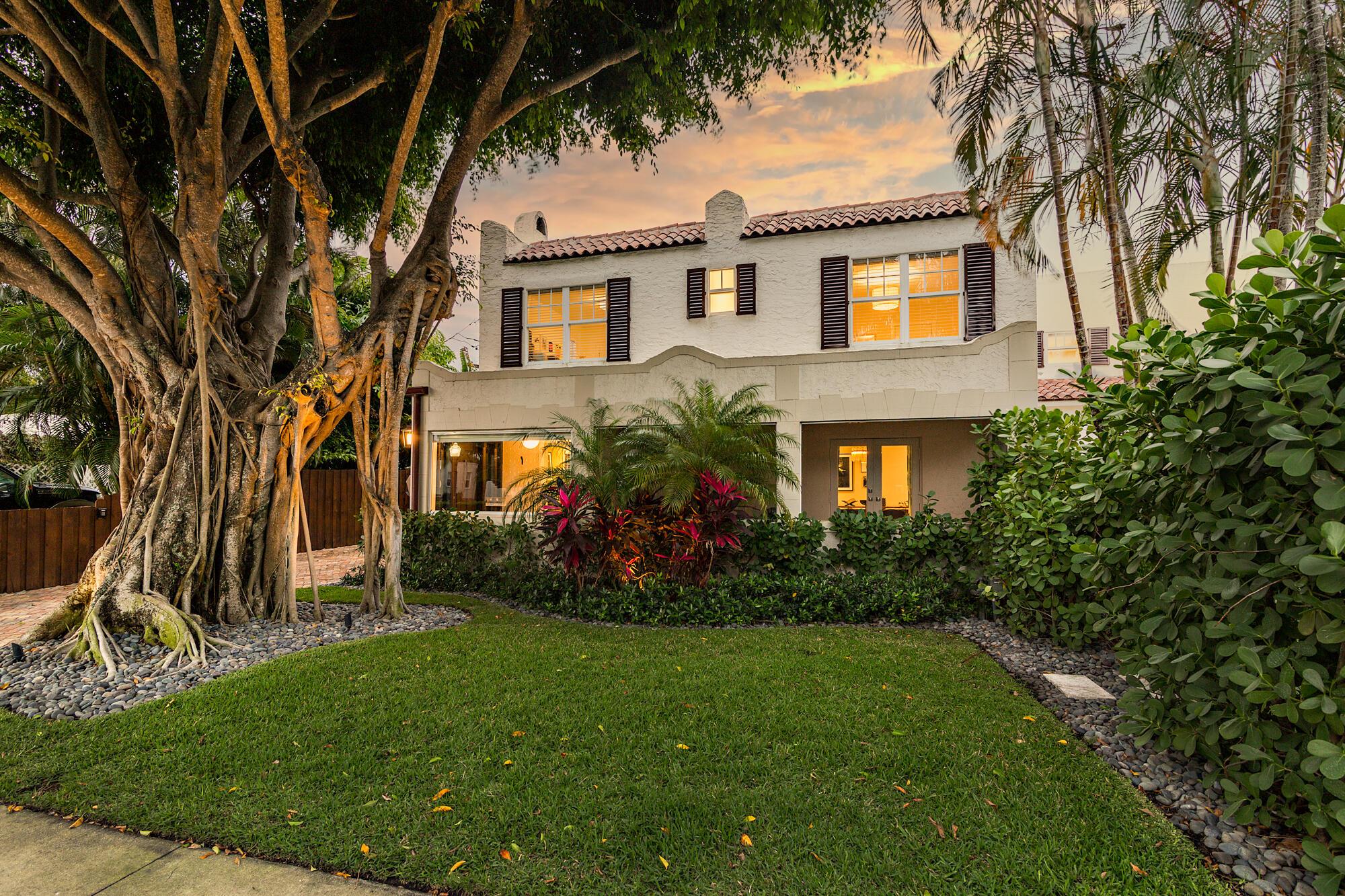 130  Greenwood Drive  For Sale 10711942, FL