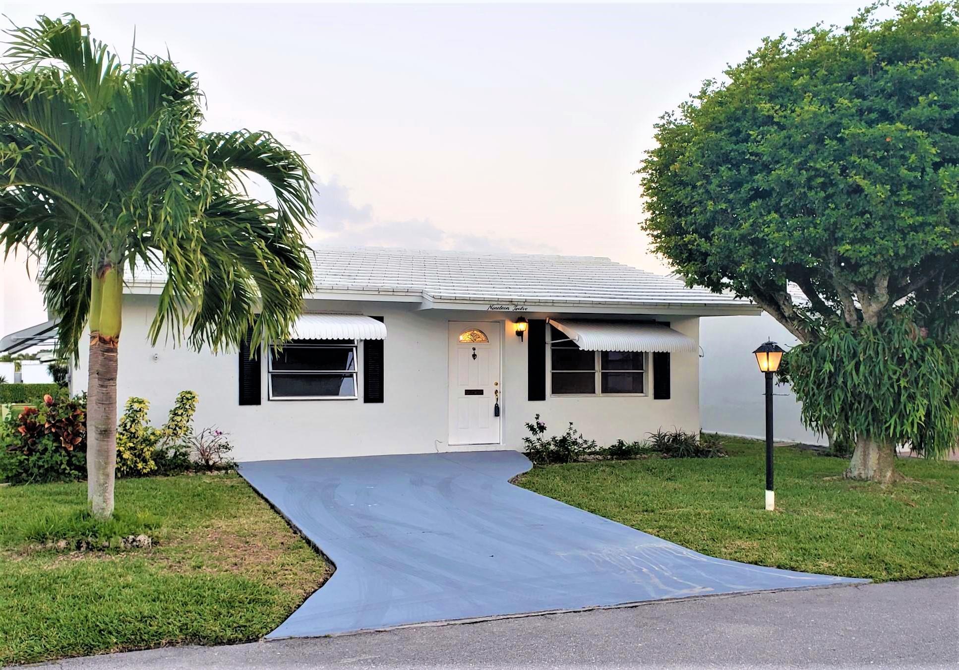 1912 SW 19th Street  For Sale 10686356, FL