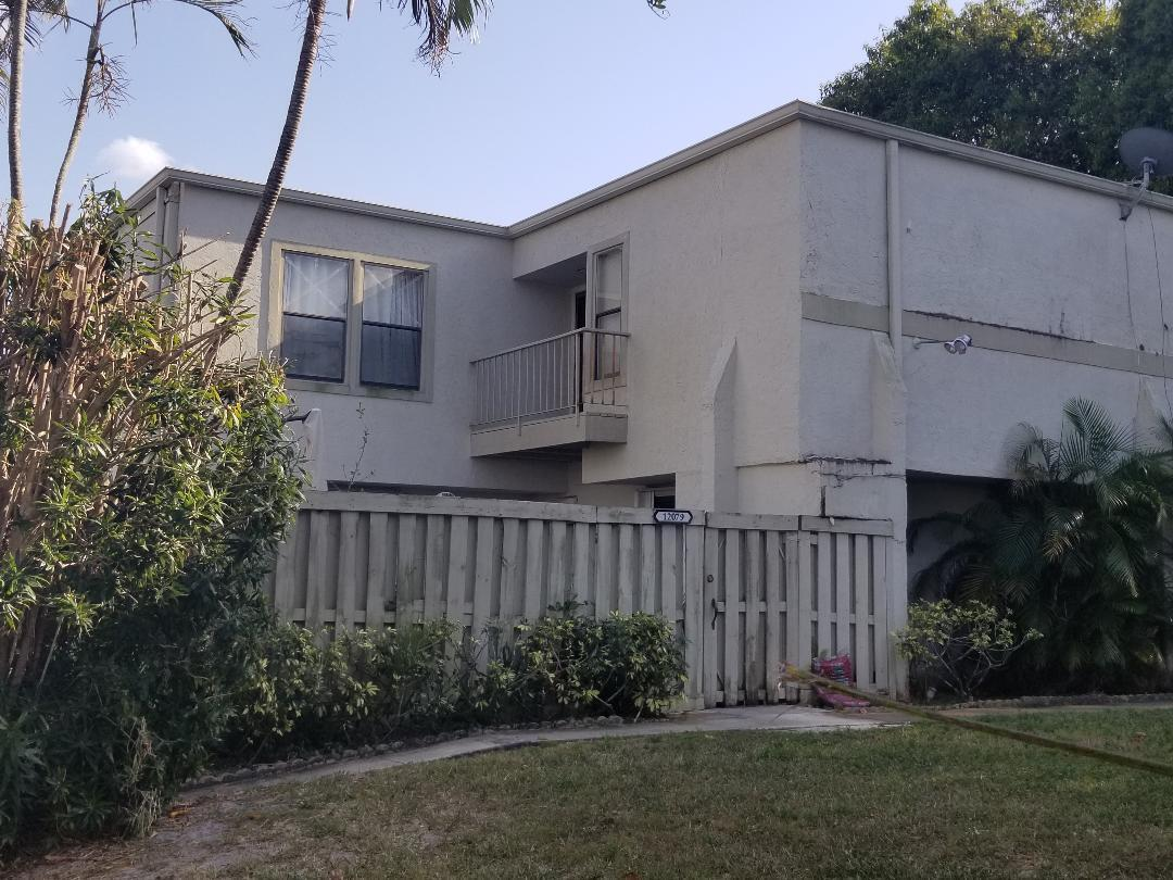 12079  Regal Court  For Sale 10701319, FL