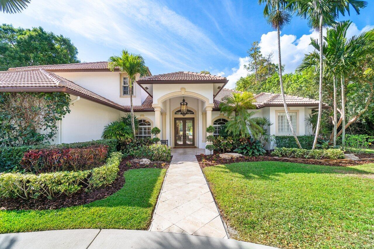 92  Pacer Circle  For Sale 10701427, FL