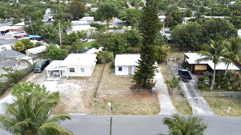 3990 Plum Tree Drive Lake Worth, FL 33462