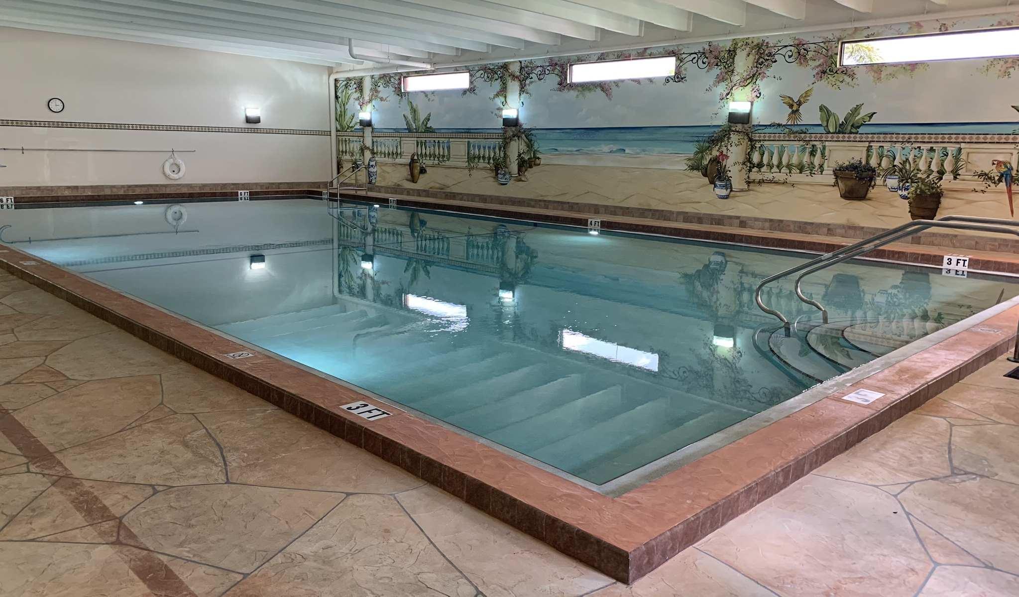 century-village-boca-raton-indoor-pool
