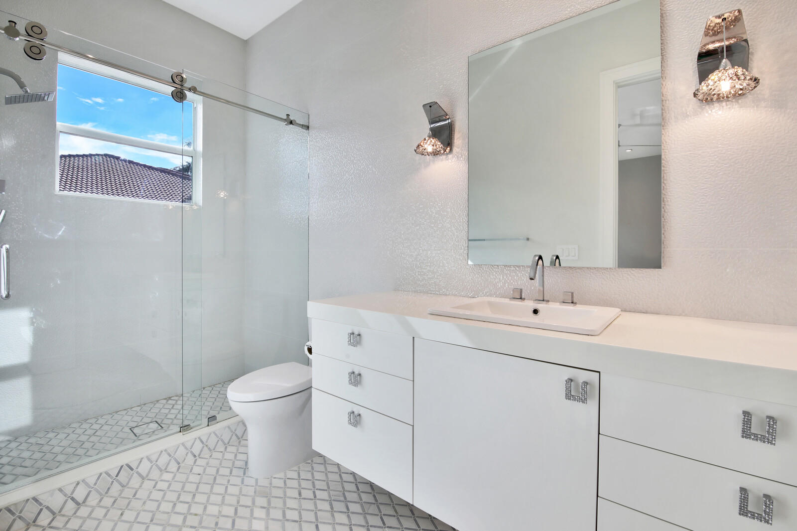 Upstairs Bath 1