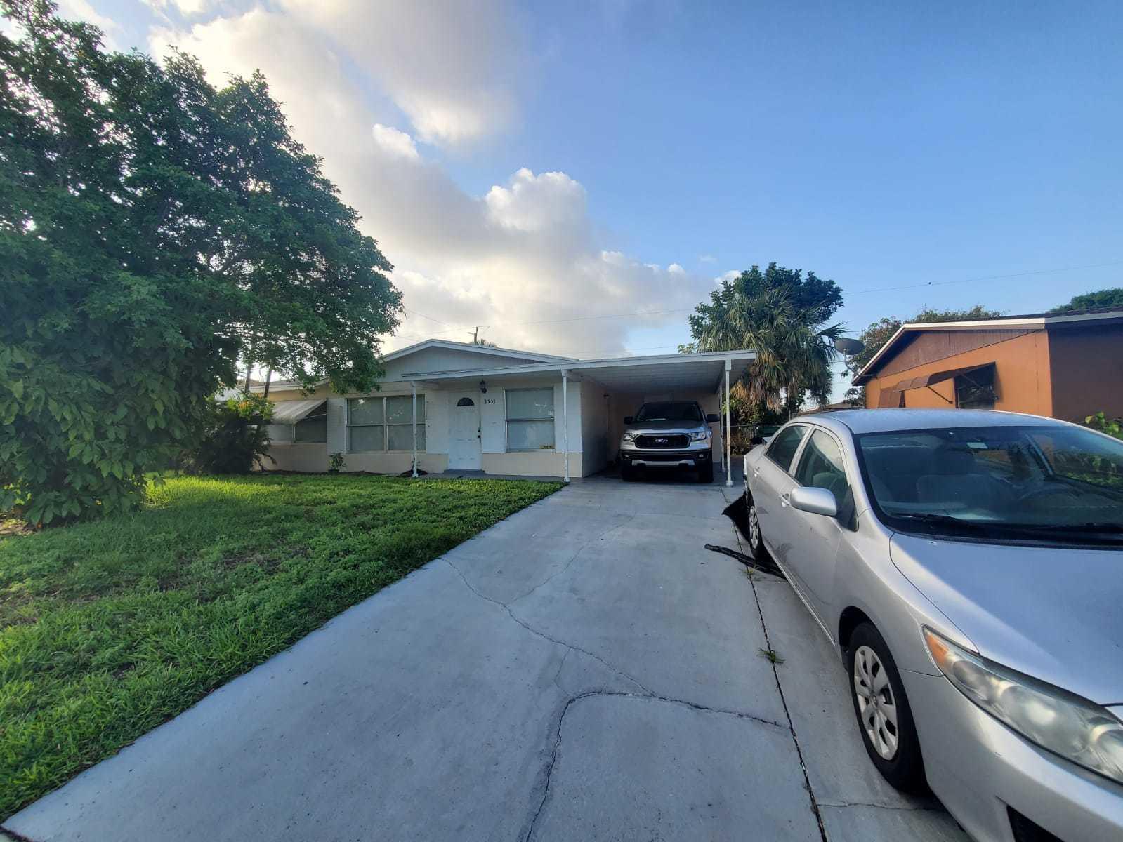 1551 W 12th Street  For Sale 10701646, FL