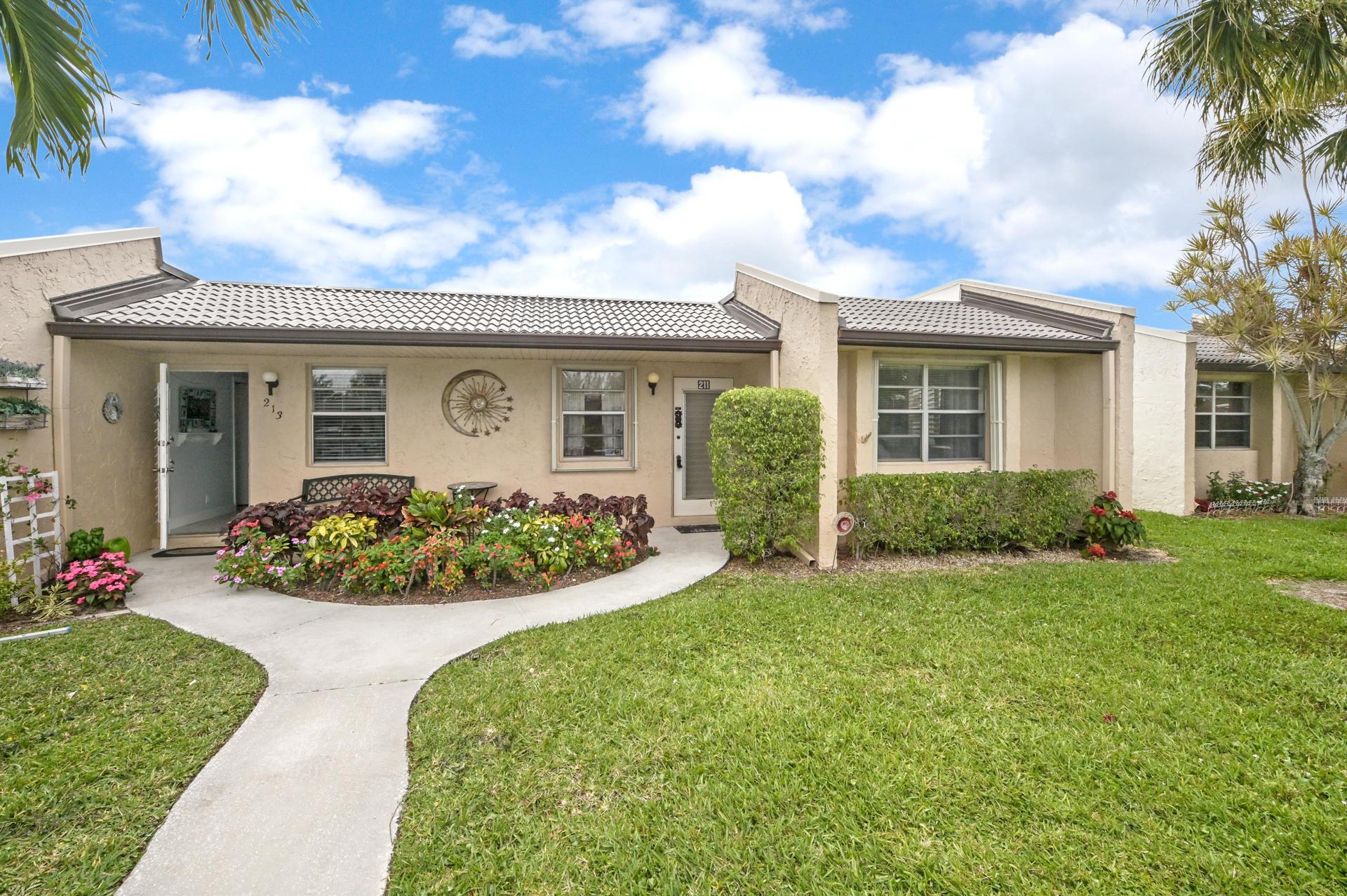 211 Lake Meryl Drive 211 West Palm Beach, FL 33411