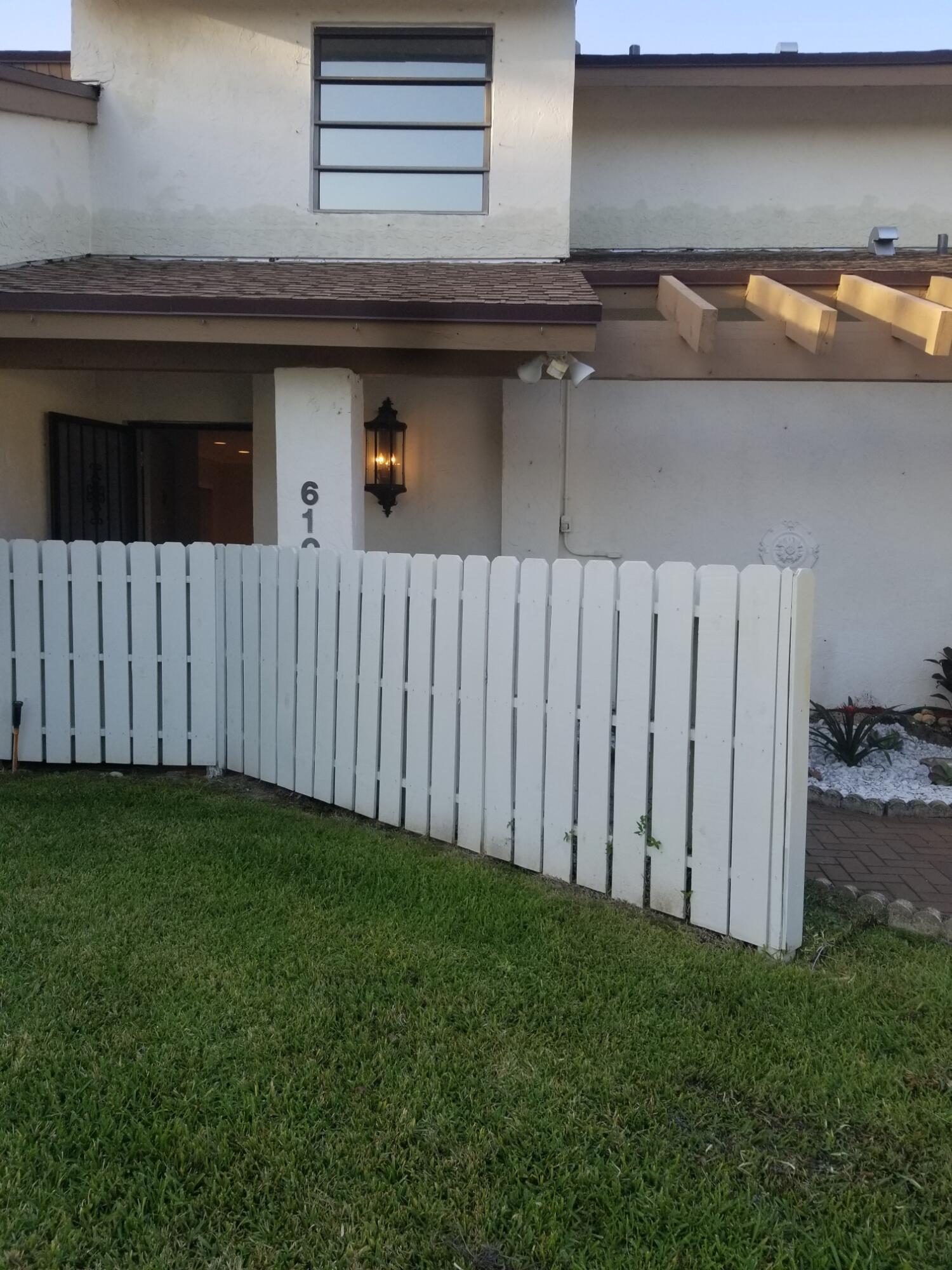 6107 Newstead Court  Greenacres FL 33463