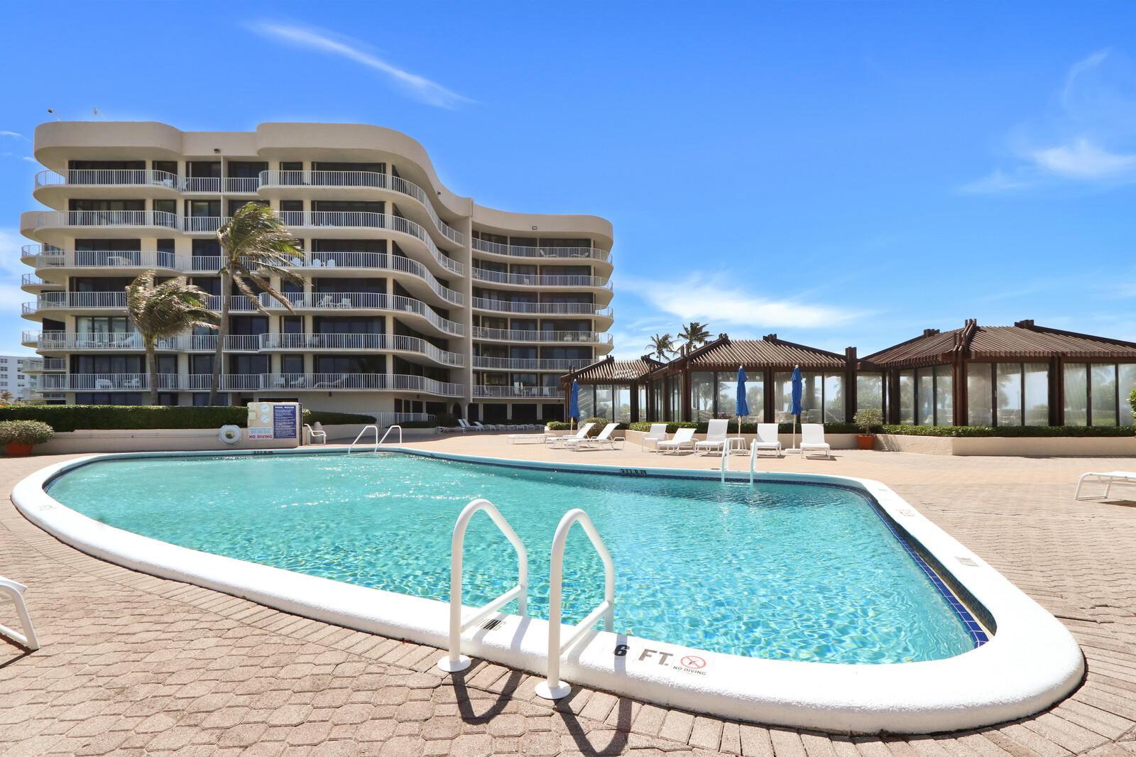 Home for sale in ATRIUMS OF PALM BEACH CONDO Palm Beach Florida