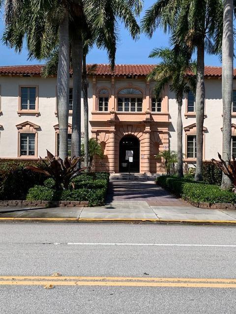 Lake Park  City Hall