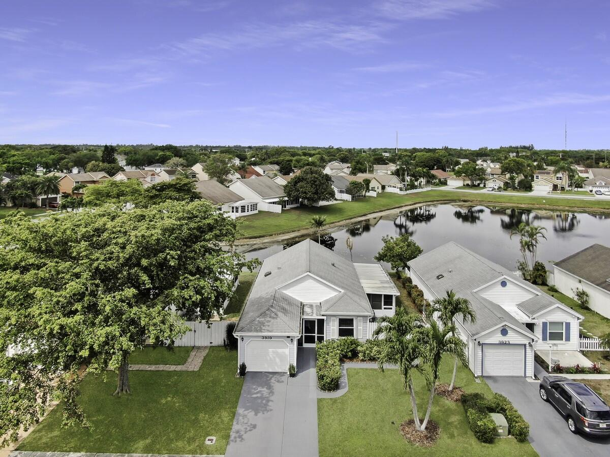 3919 Circle Lake Drive  West Palm Beach, FL 33417