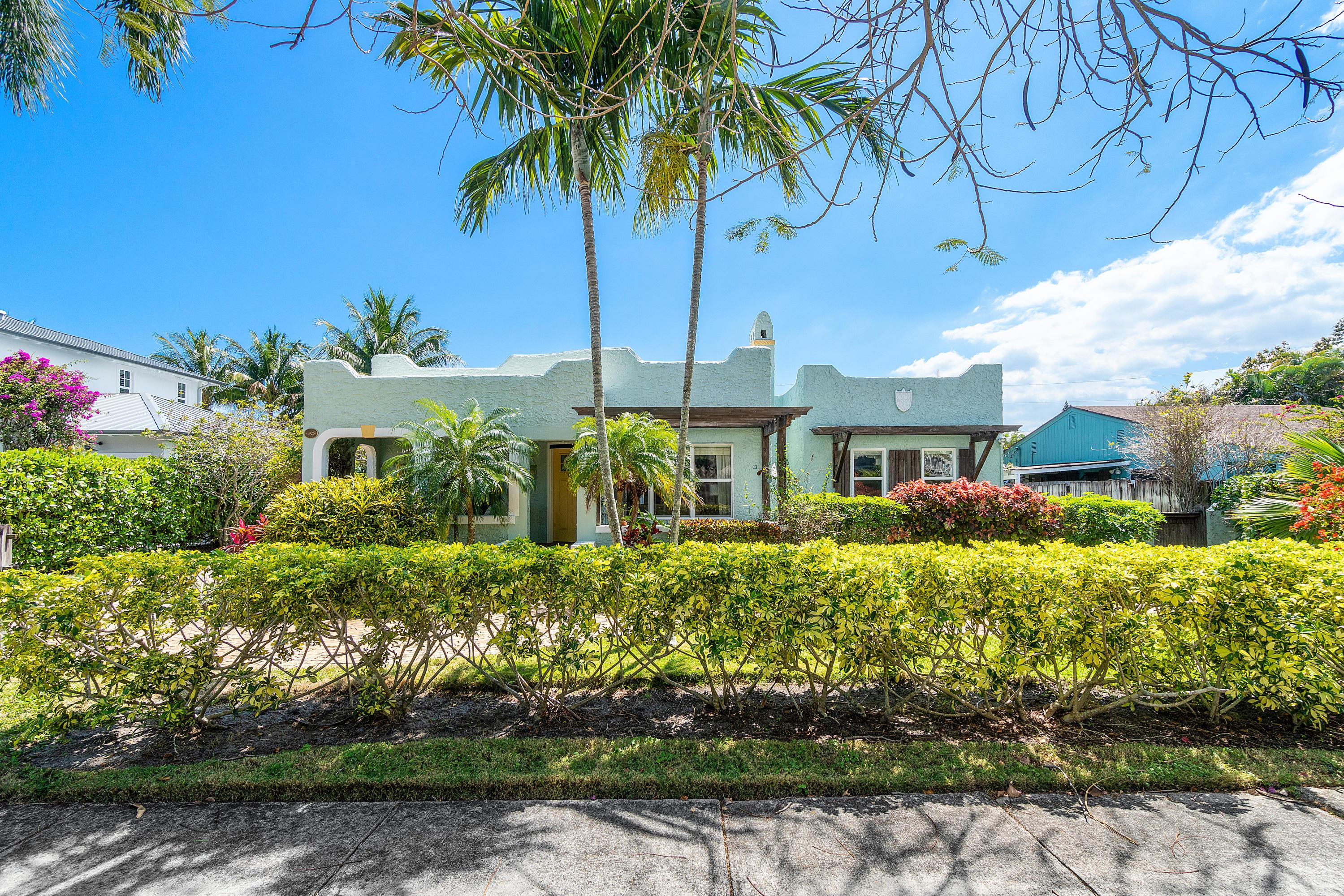 Home for sale in Del Ida Park Delray Beach Florida