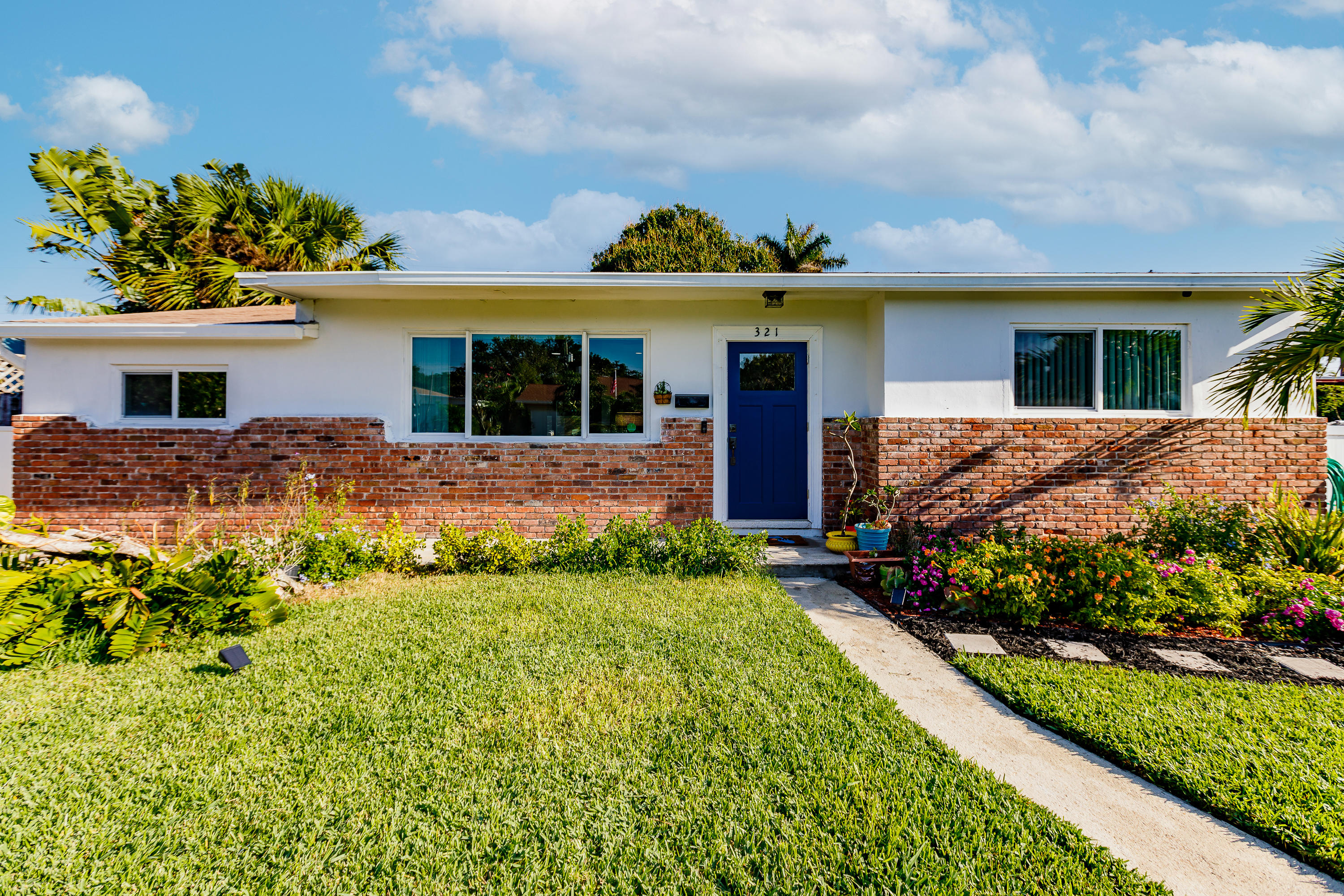Home for sale in HOMEWOOD WPB IN ( SO-SO) West Palm Beach Florida