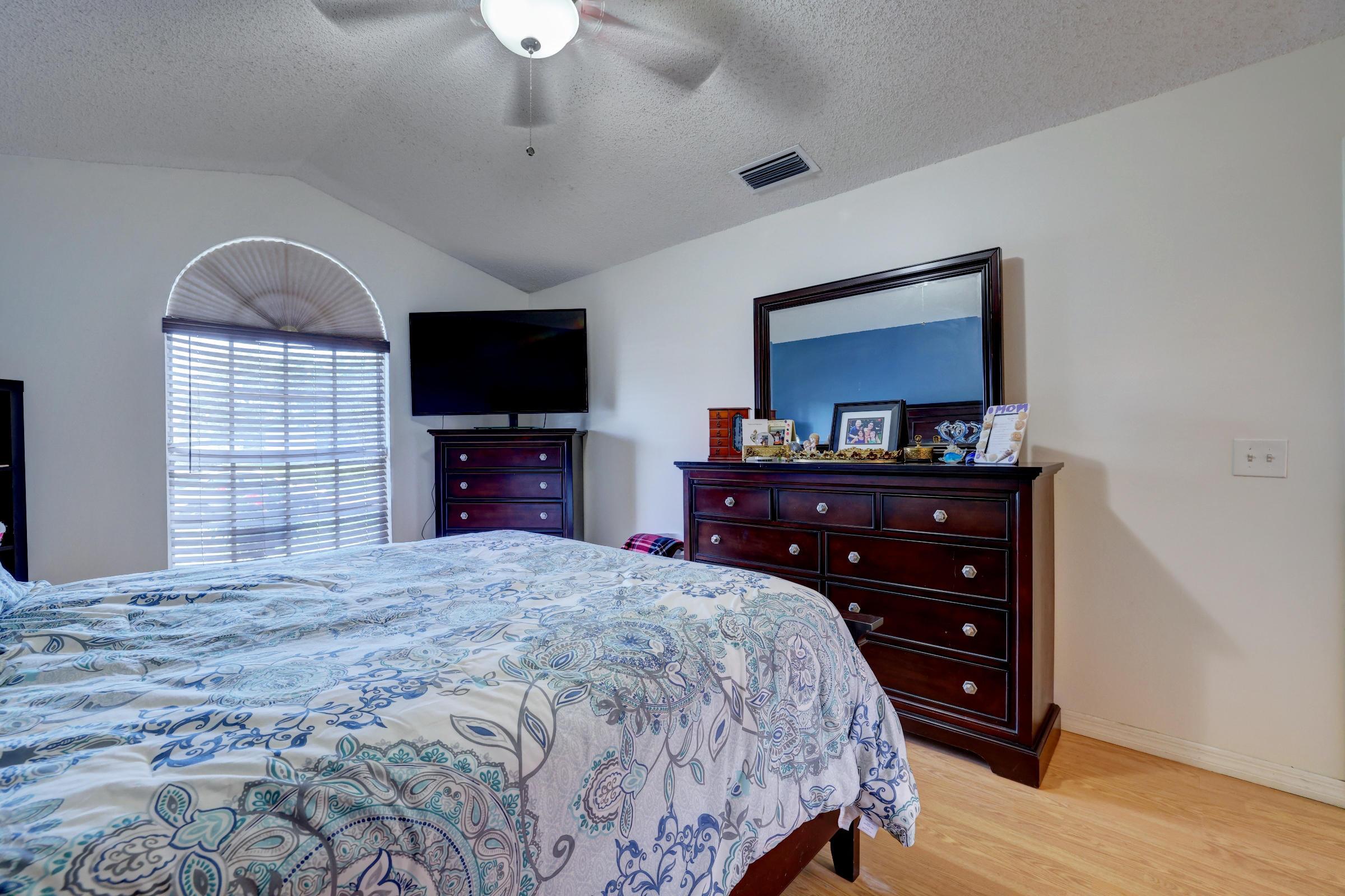 515 SW Jeanne Avenue Port Saint Lucie, FL 34953 photo 17