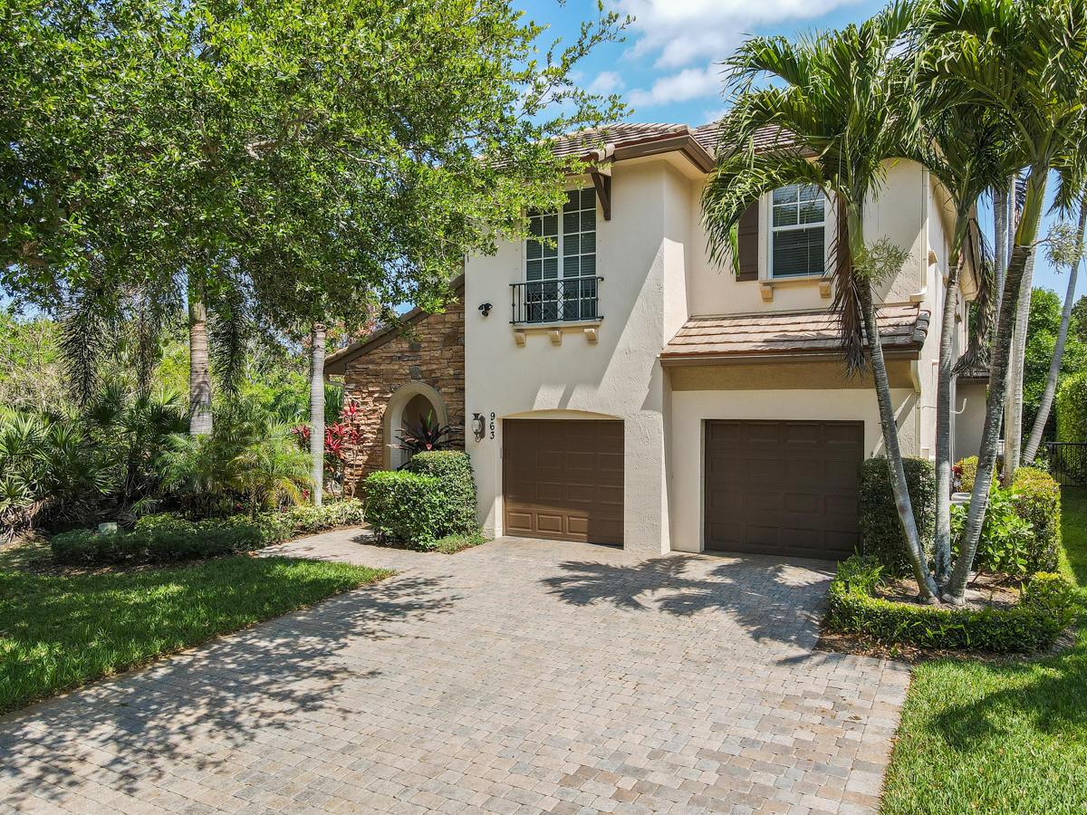 963 Mill Creek Drive Palm Beach Gardens, FL 33410 photo 2