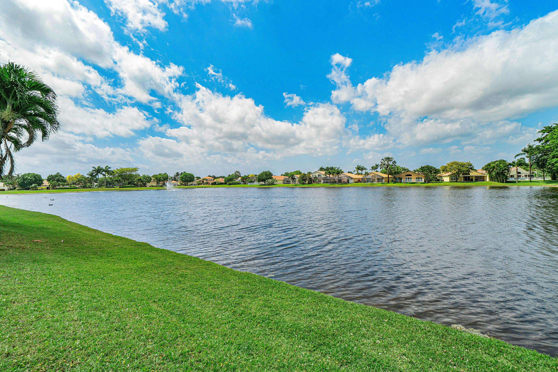 5902 Las Colinas Circle Lake Worth, FL 33463 photo 12