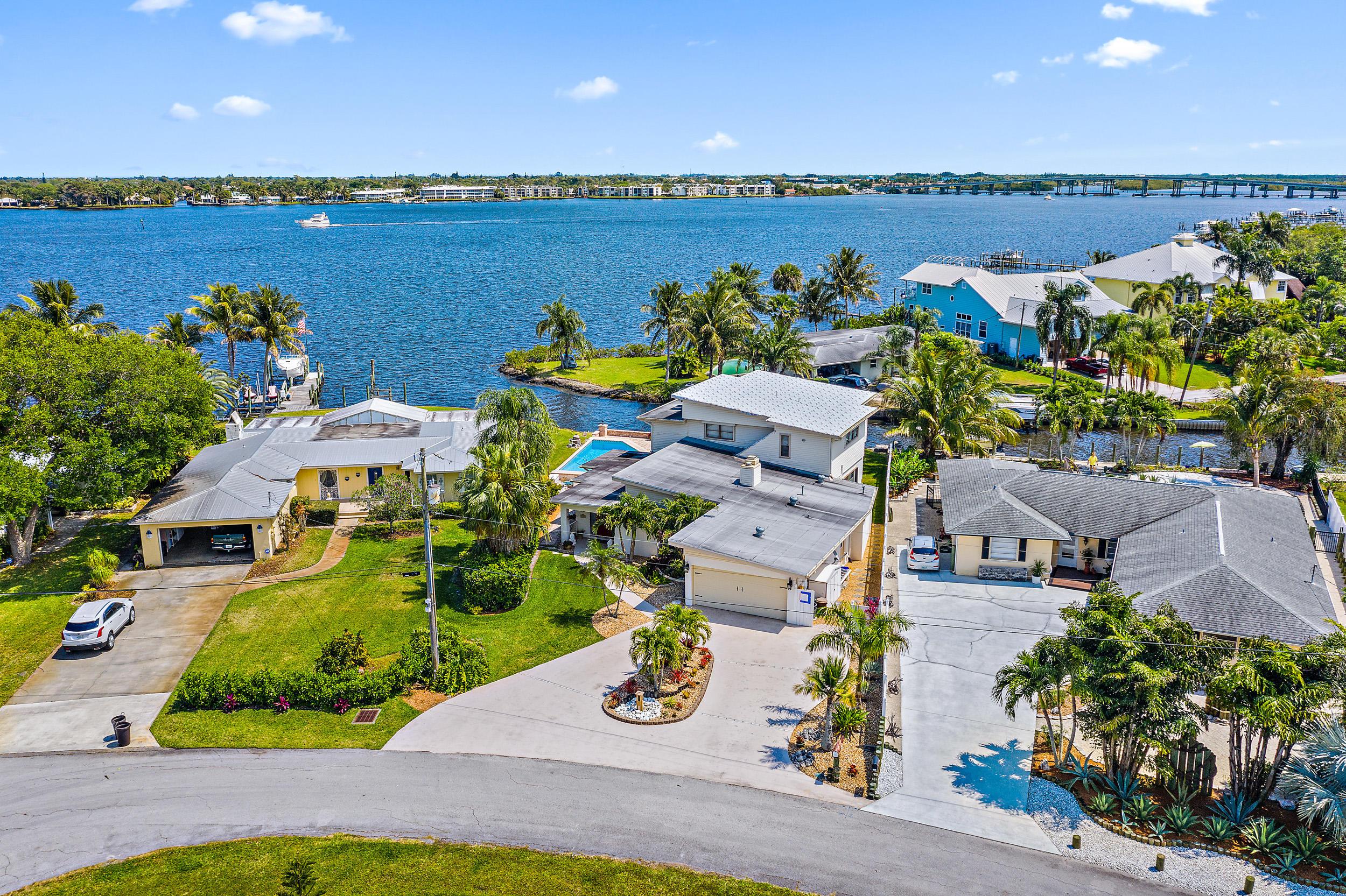 1192 SW Pelican Crescent Palm City, FL 34990
