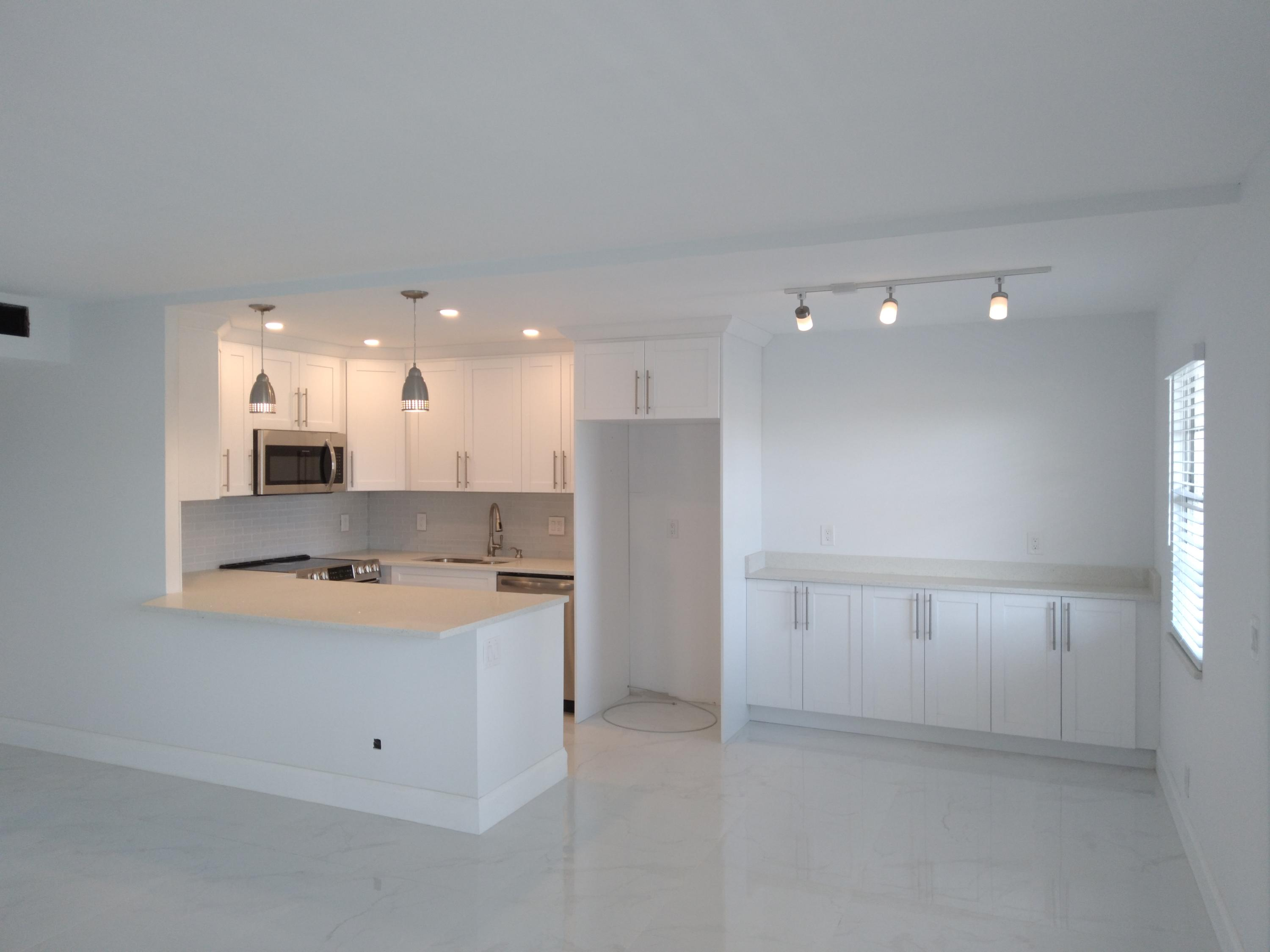 2099  Cornwall   For Sale 10702853, FL