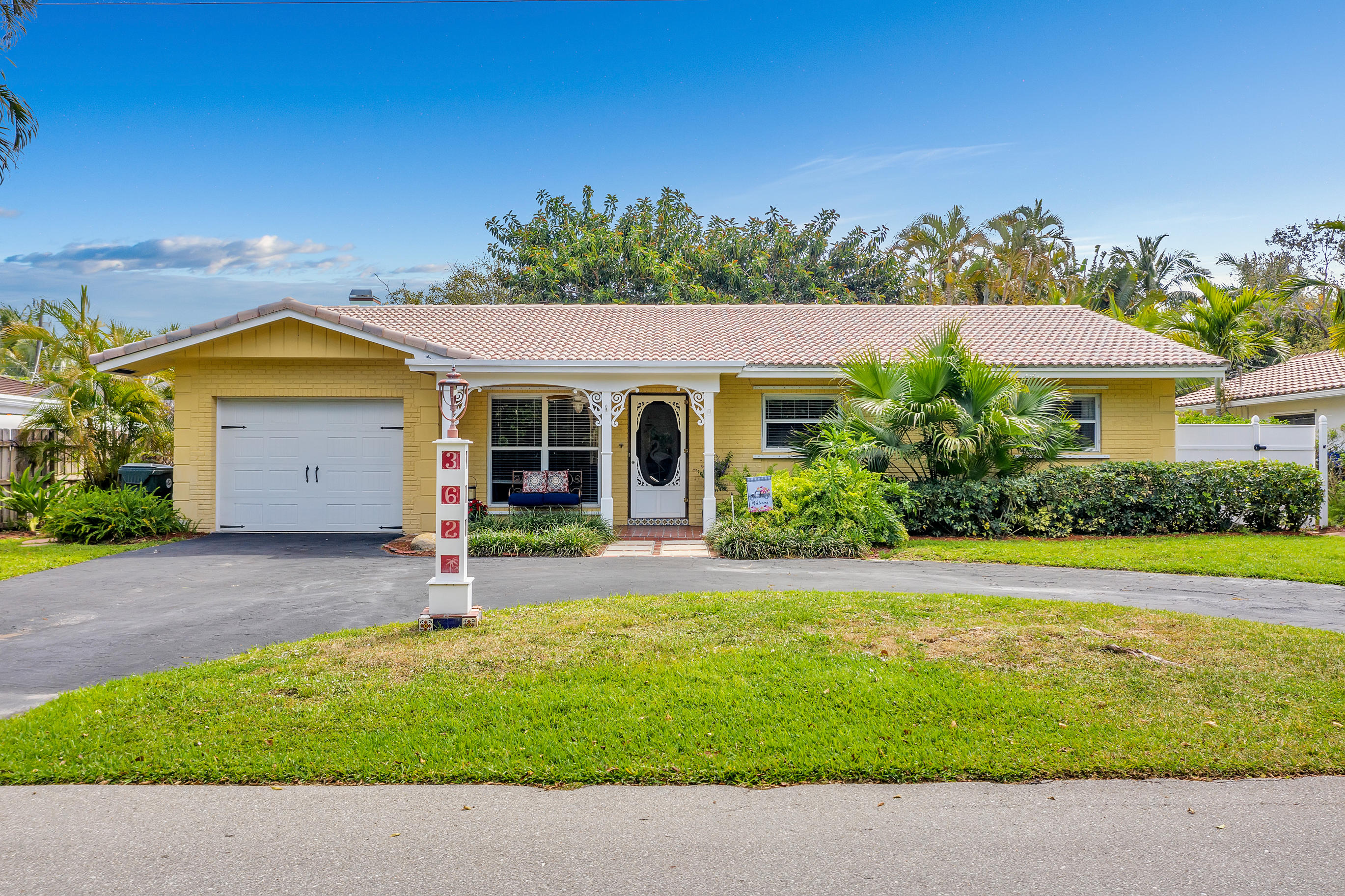 362 NW 6th Court  For Sale 10702931, FL