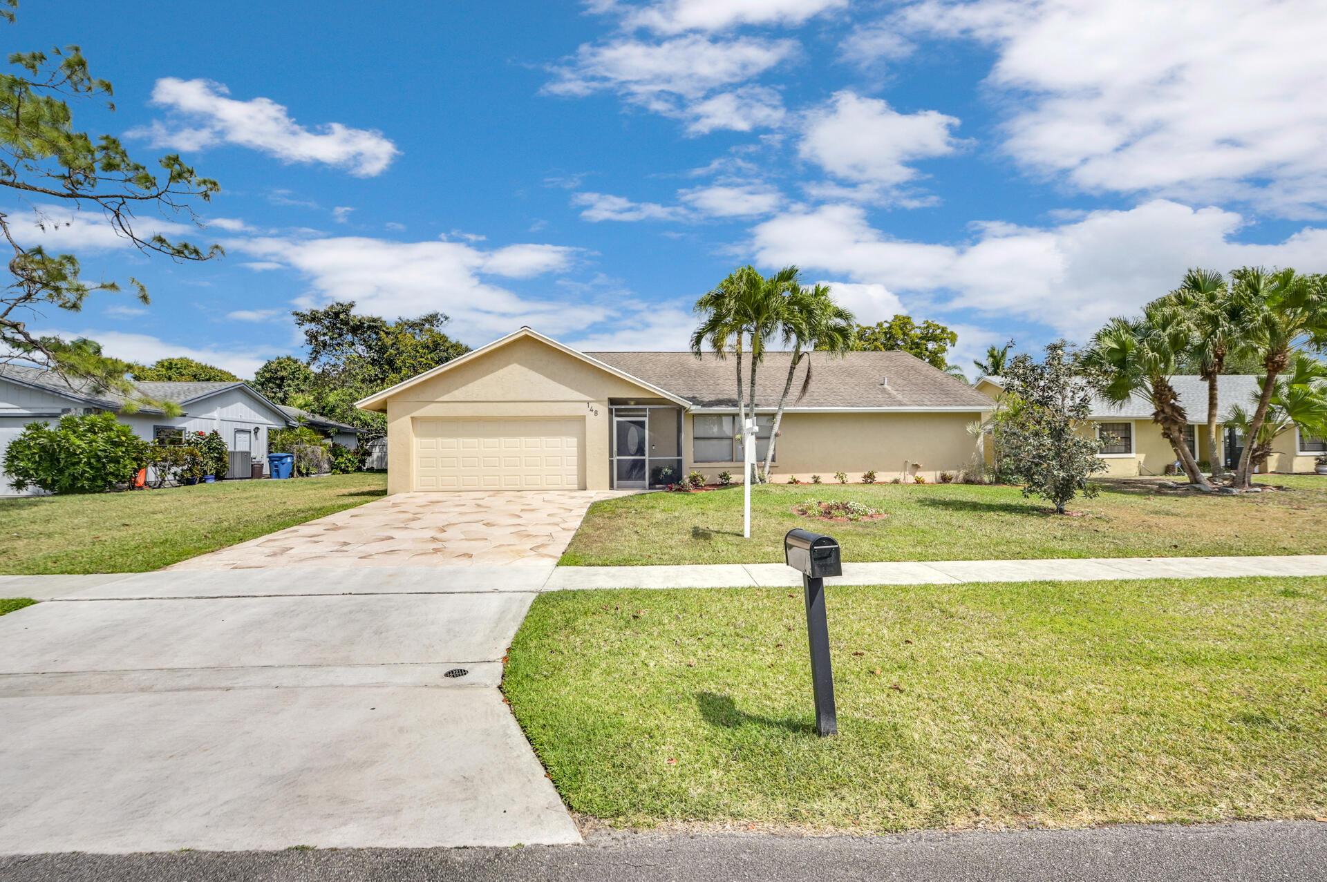148 Viscaya Avenue Royal Palm Beach, FL 33411 photo 1