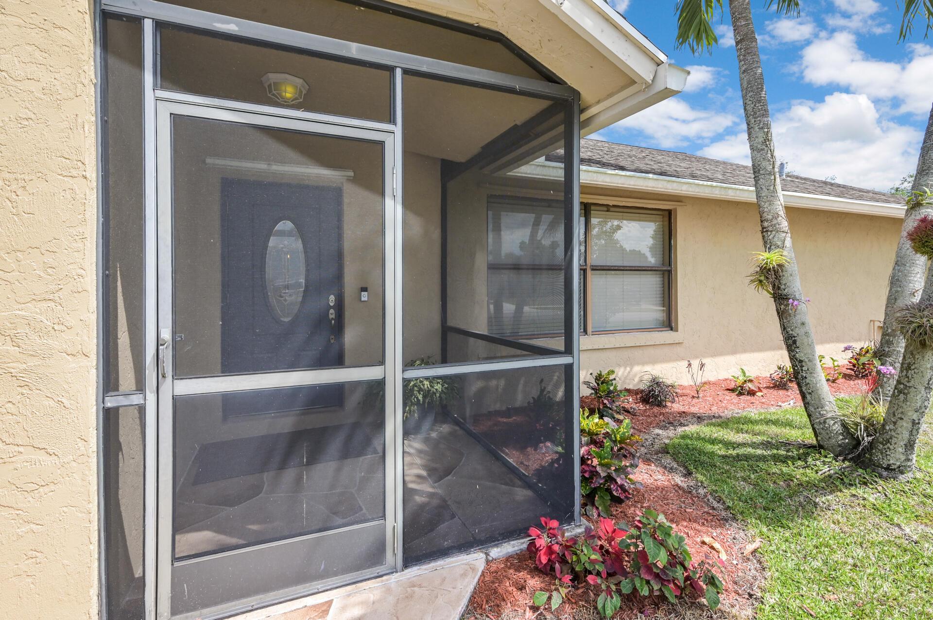 148 Viscaya Avenue Royal Palm Beach, FL 33411 photo 3